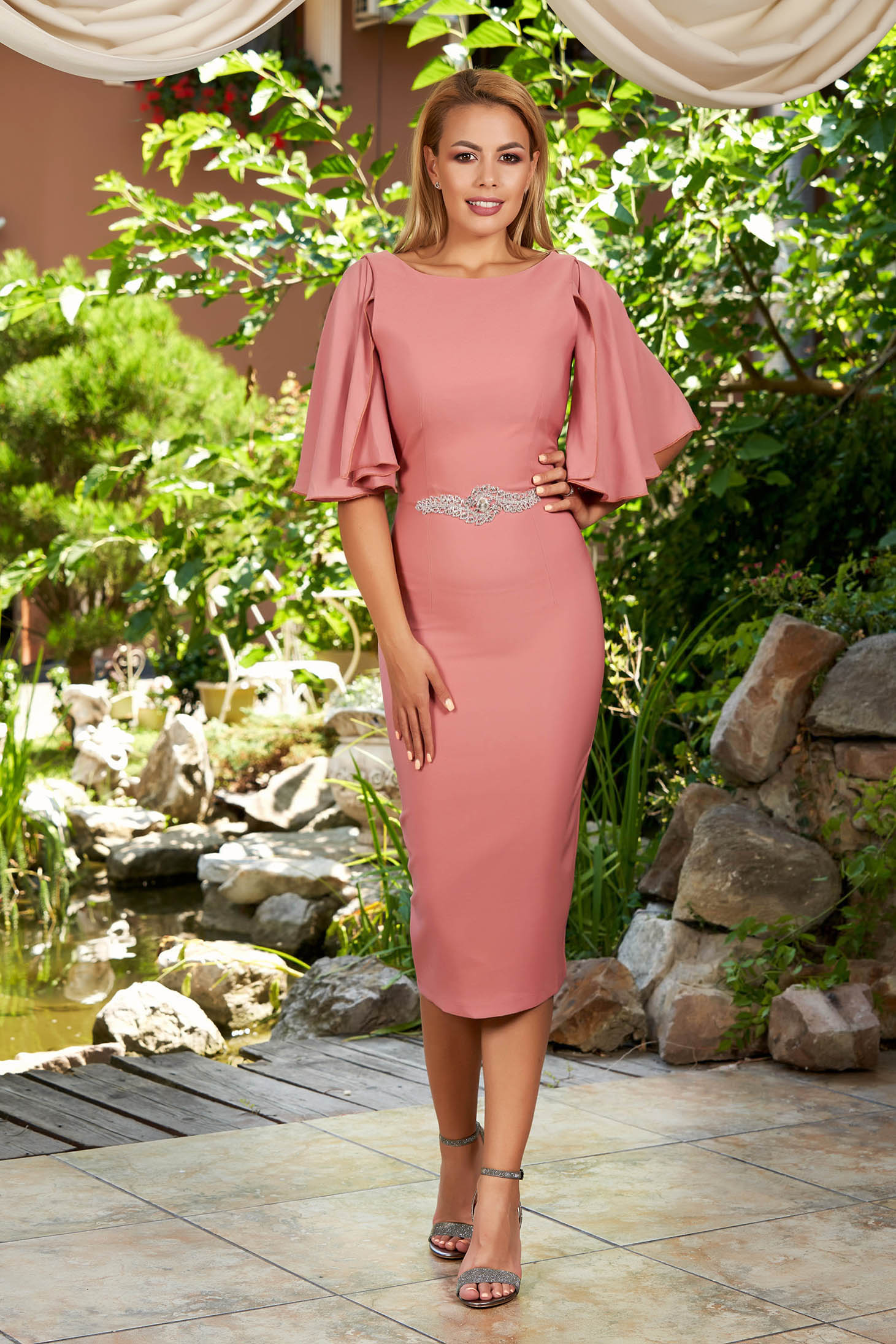 Lightpink dress elegant midi pencil strass with veil sleeves with rounded cleavage