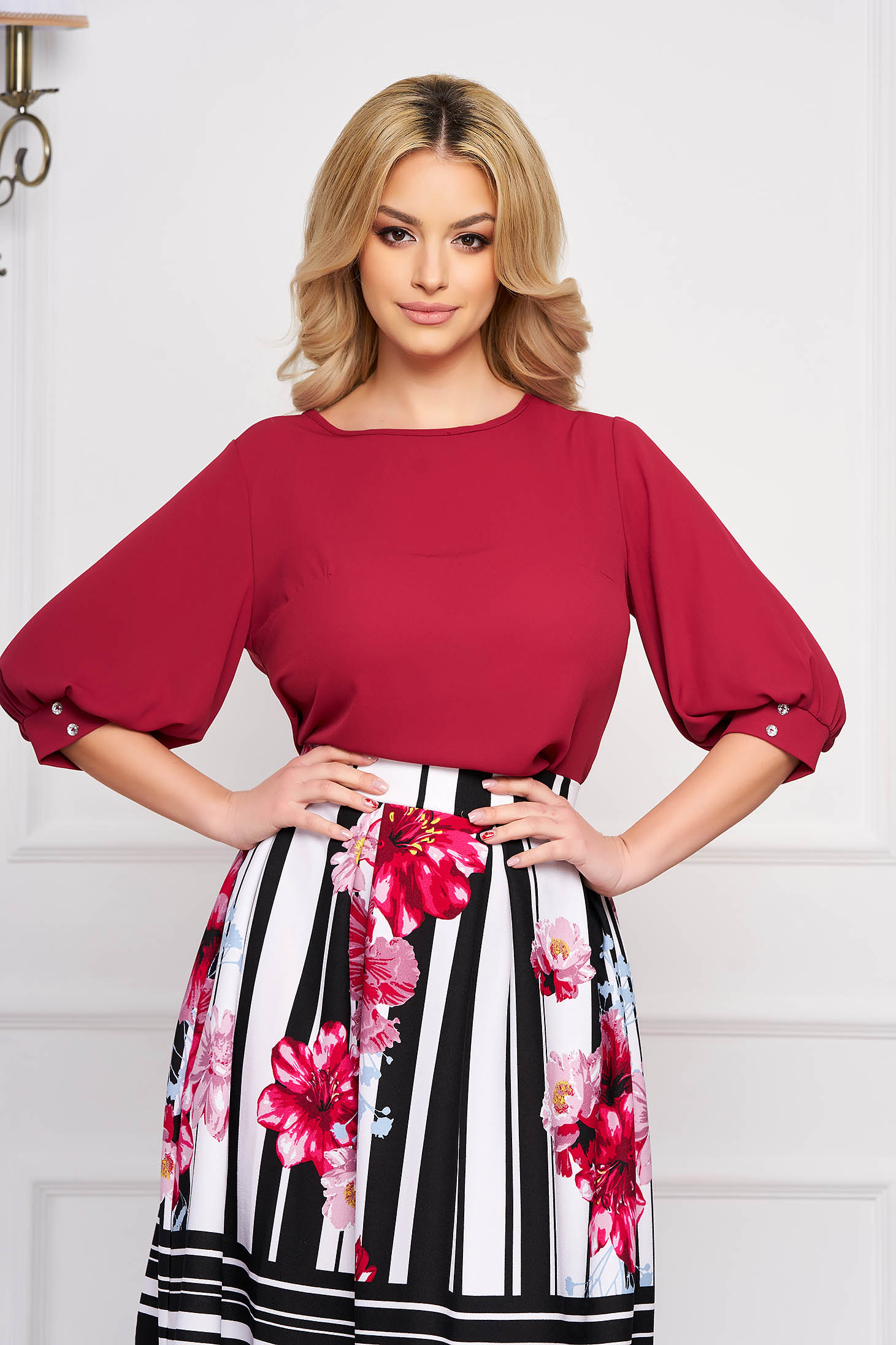 StarShinerS burgundy women`s blouse elegant short cut flared with rounded cleavage airy fabric large sleeves