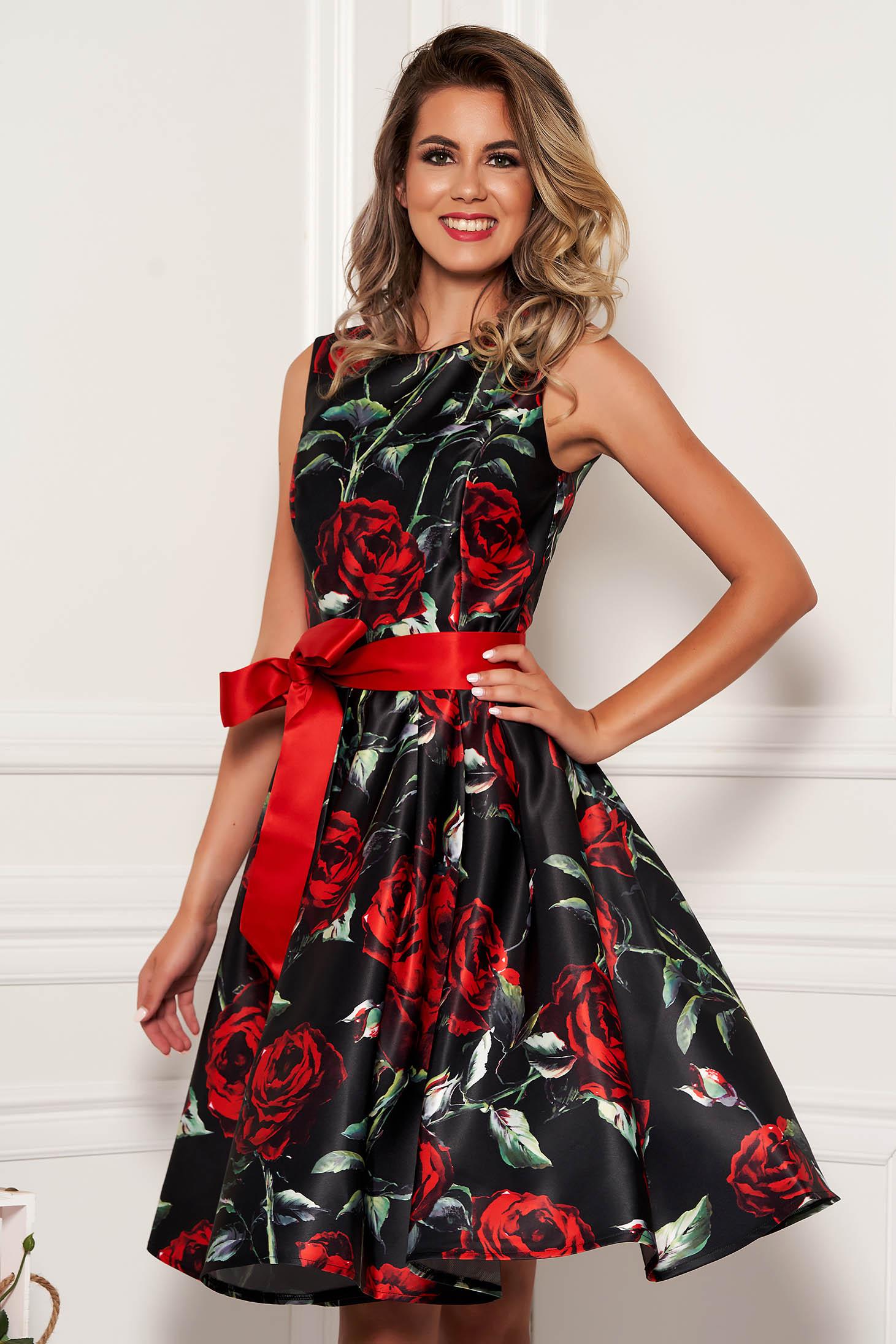 Rochie Artista neagra midi de ocazie in clos din satin fara maneci cu cordon detasabil si imprimeu floral