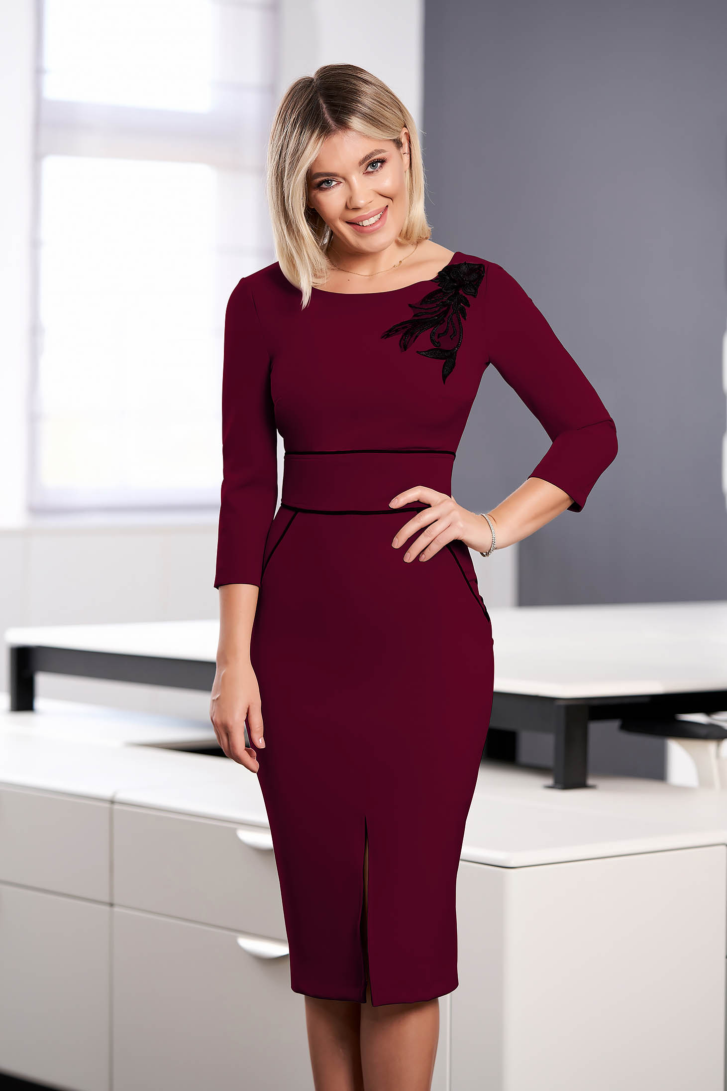 StarShinerS burgundy dress elegant midi pencil cloth with 3/4 sleeves with rounded cleavage embroidered