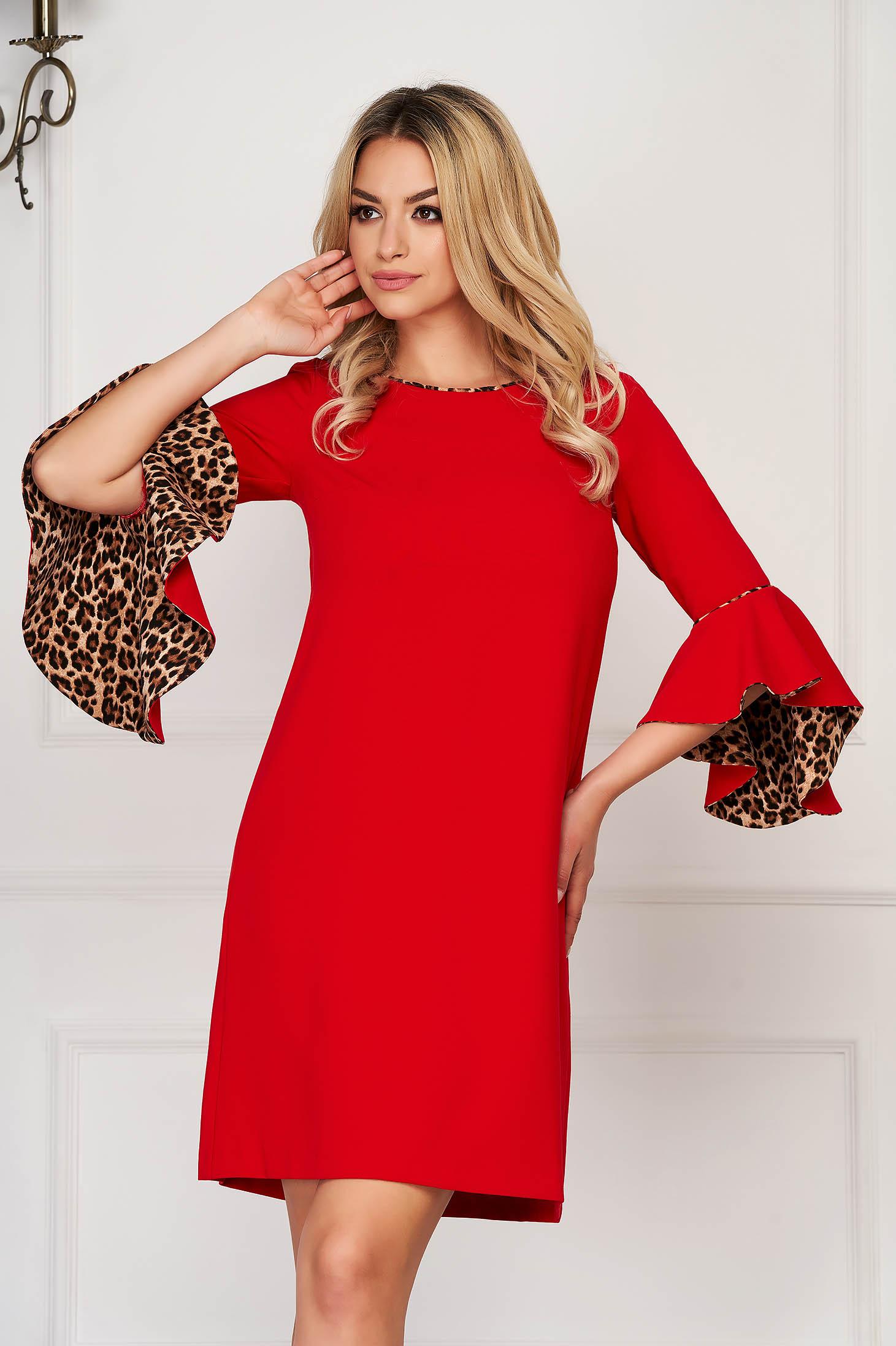 Rochie StarShinerS rosie scurta eleganta cu croi larg cu decolteu la baza gatului cu maneci trei-sferturi tip clopot fara captuseala