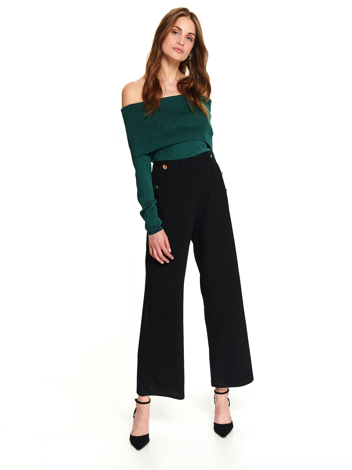 Green casual short cut tented sweater with long sleeves and naked shoulders