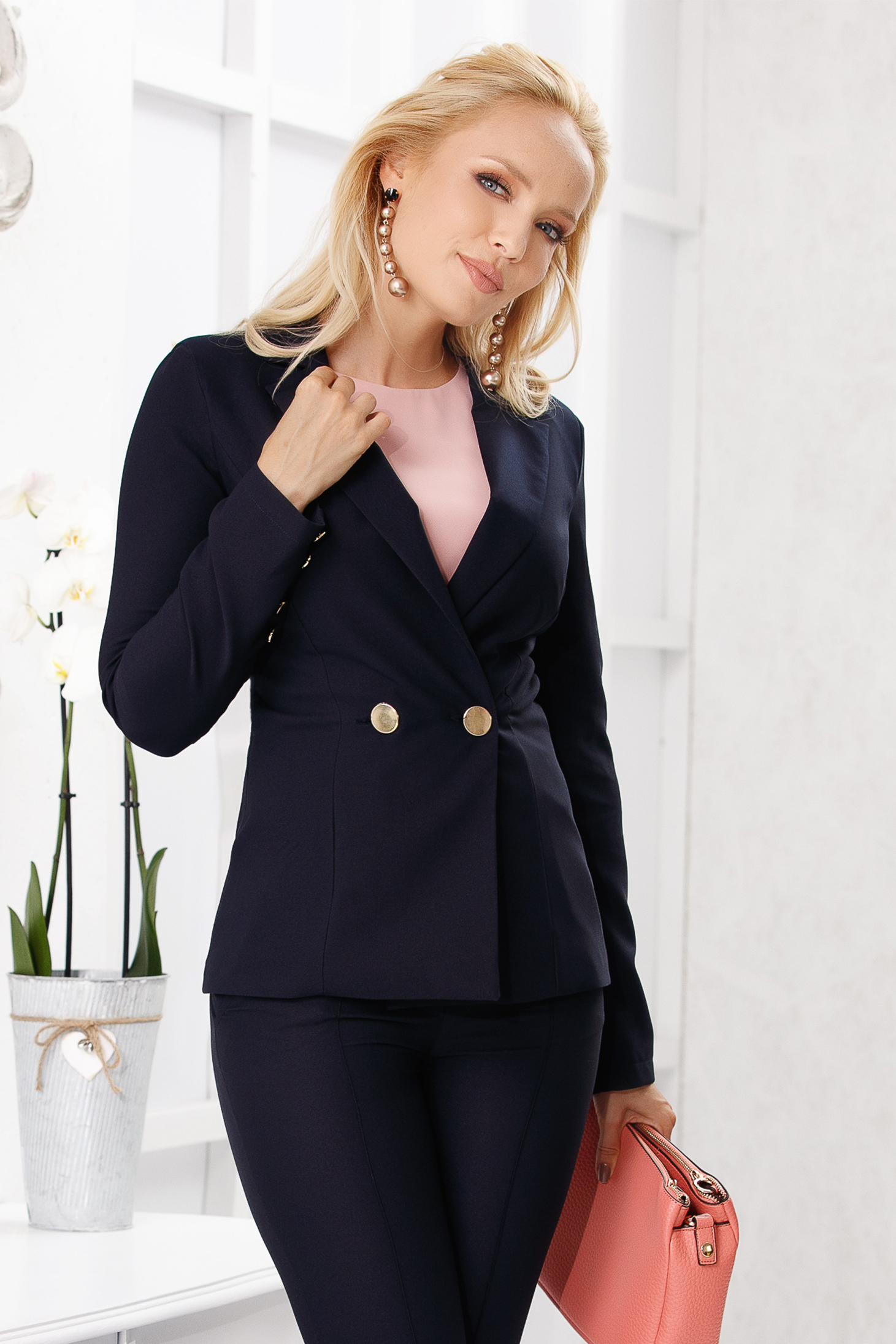 Darkblue jacket elegant short cut tented cloth with padded shoulders closure with gold buttons