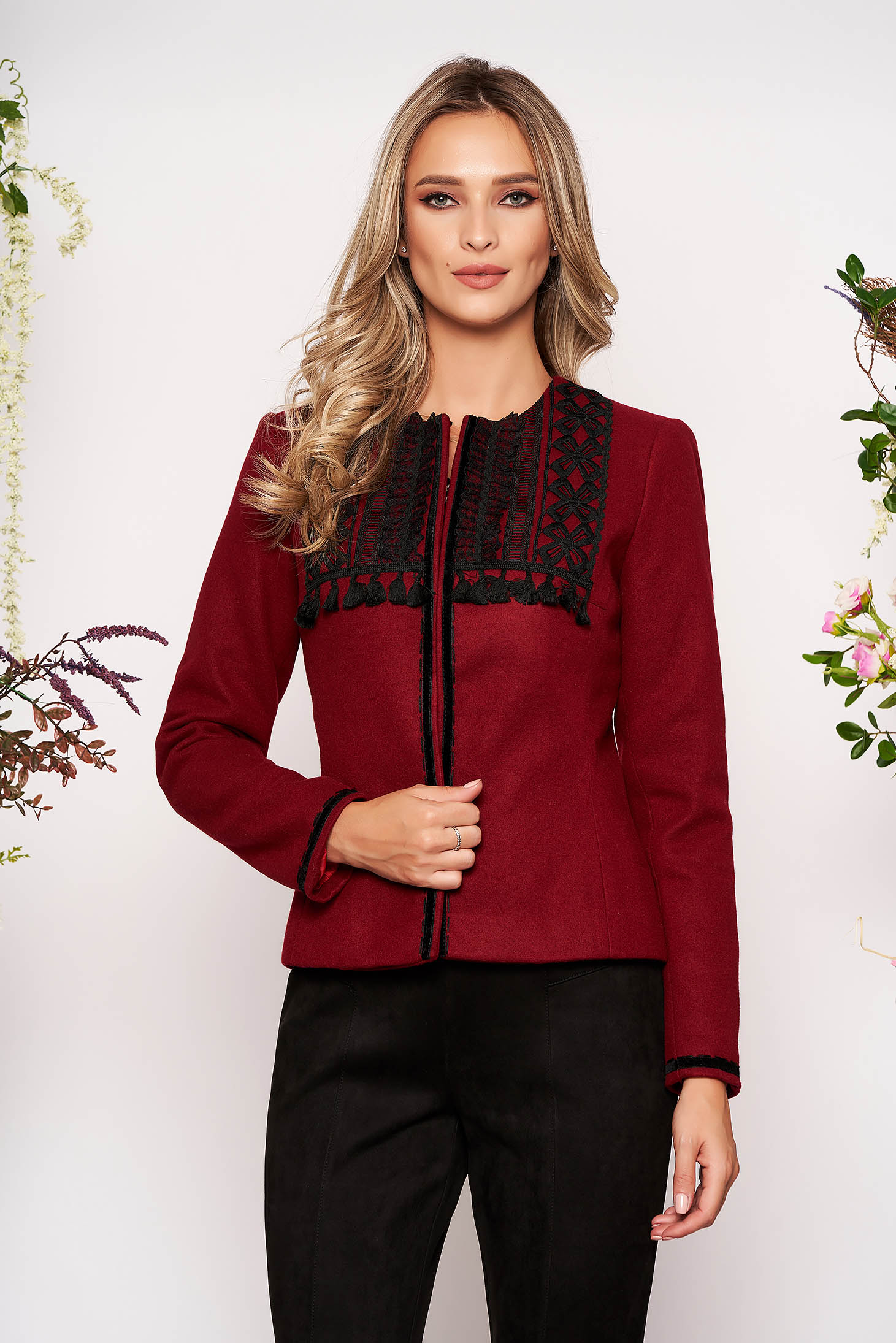 Burgundy jacket elegant short cut tented wool long sleeved with padded shoulders
