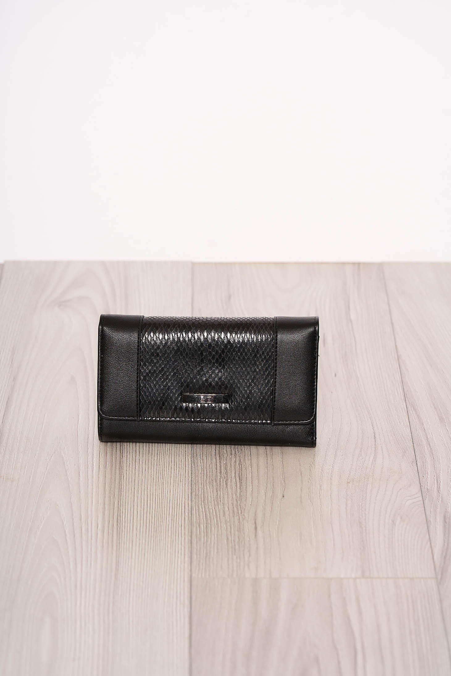 Fekete több rekeszes kígyómintás pénztárca