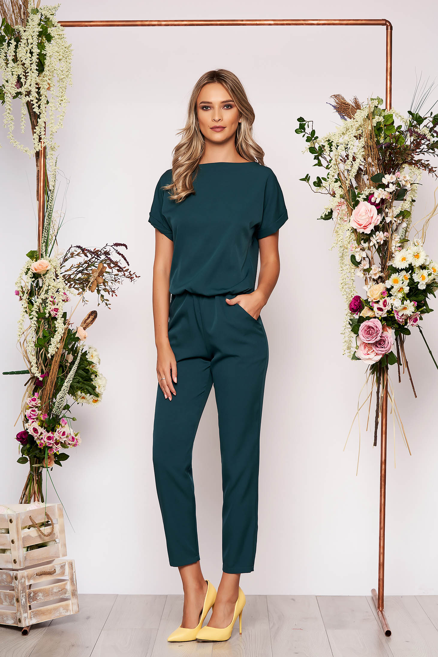 Dirty green jumpsuit elegant occasional with elastic waist short sleeves long