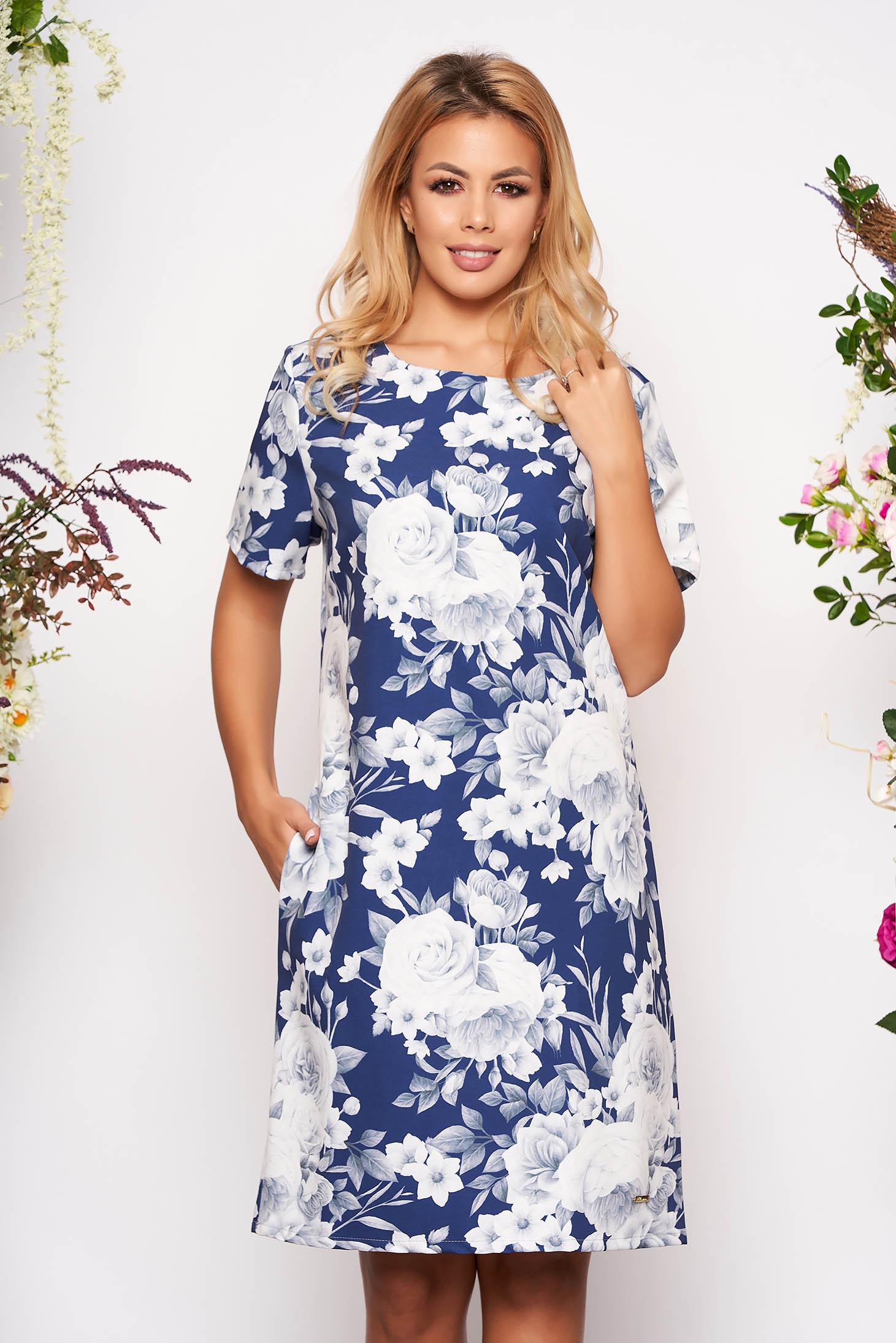 Rochie albastra scurta eleganta din scuba cu croi in a cu buzunare cu maneci scurte si imprimeu floral