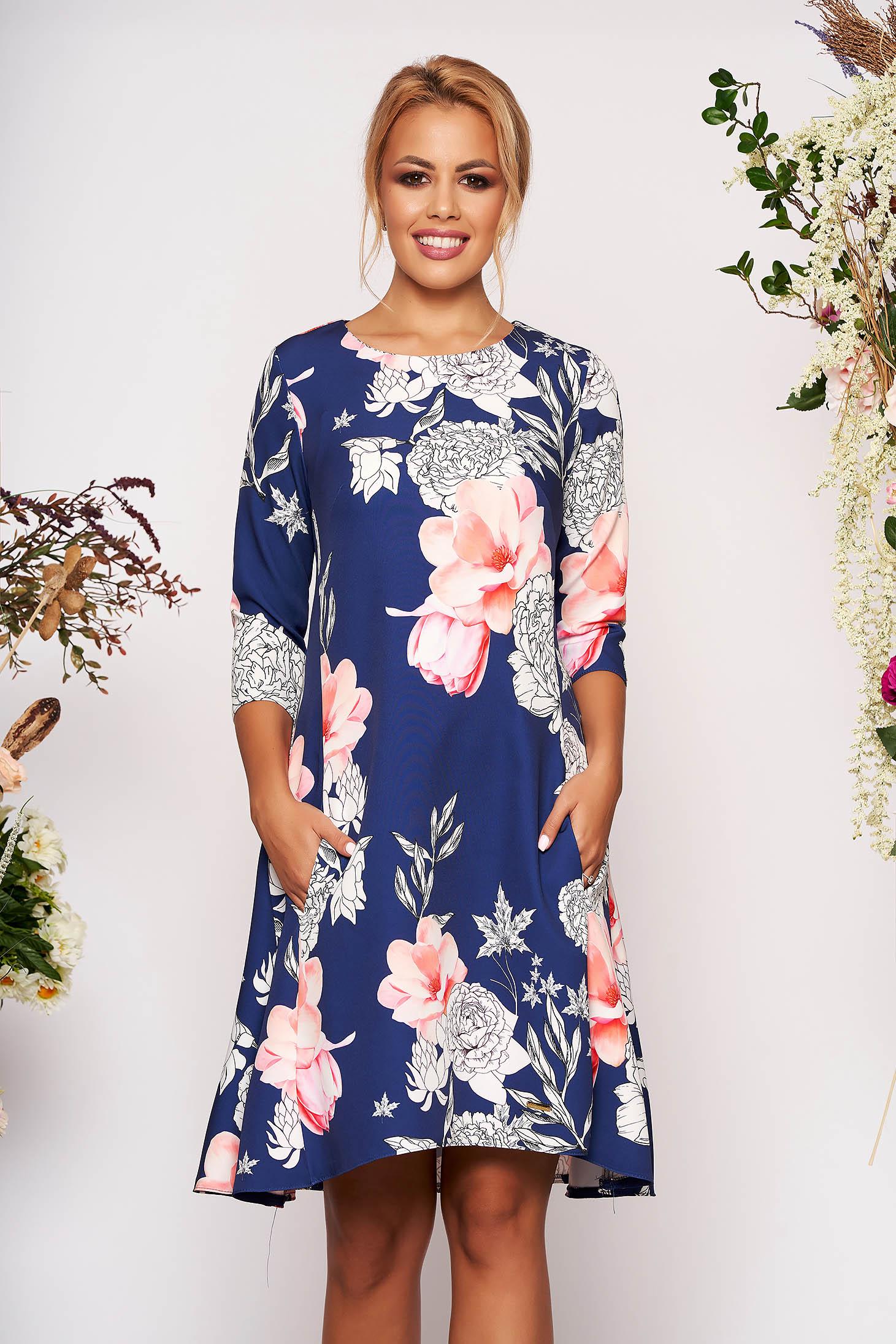 Rochie albastra scurta eleganta in clos din scuba cu buzunare cu maneci trei-sferturi si imprimeu floral