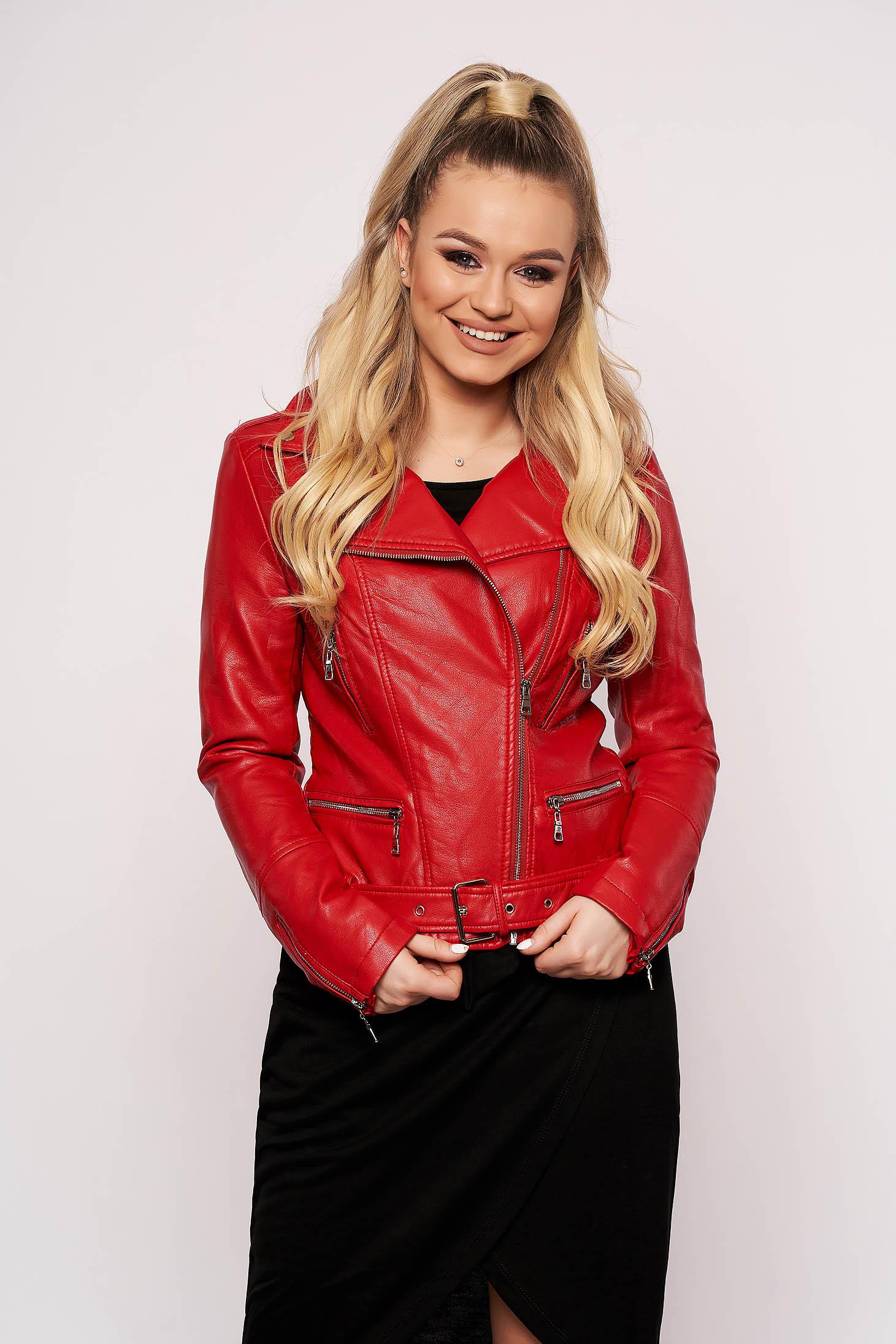 Piros casual rövid műbőr dzseki cipzáros zsebekkel és cipzáros ujjakkal