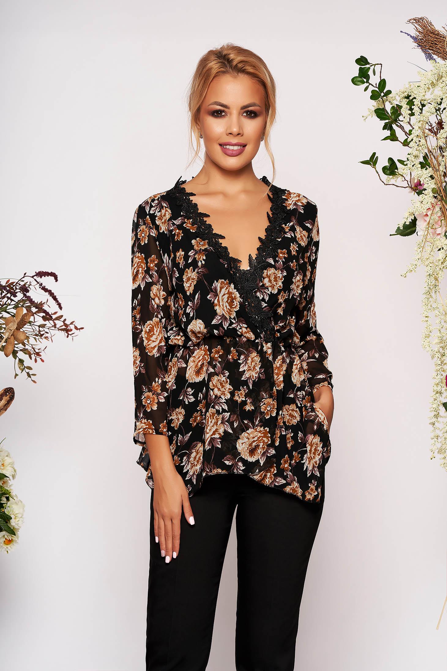 Bluza dama SunShine neagra eleganta din voal cu maneca lunga cu decolteu in v cu aplicatii de dantela cu imprimeu floral