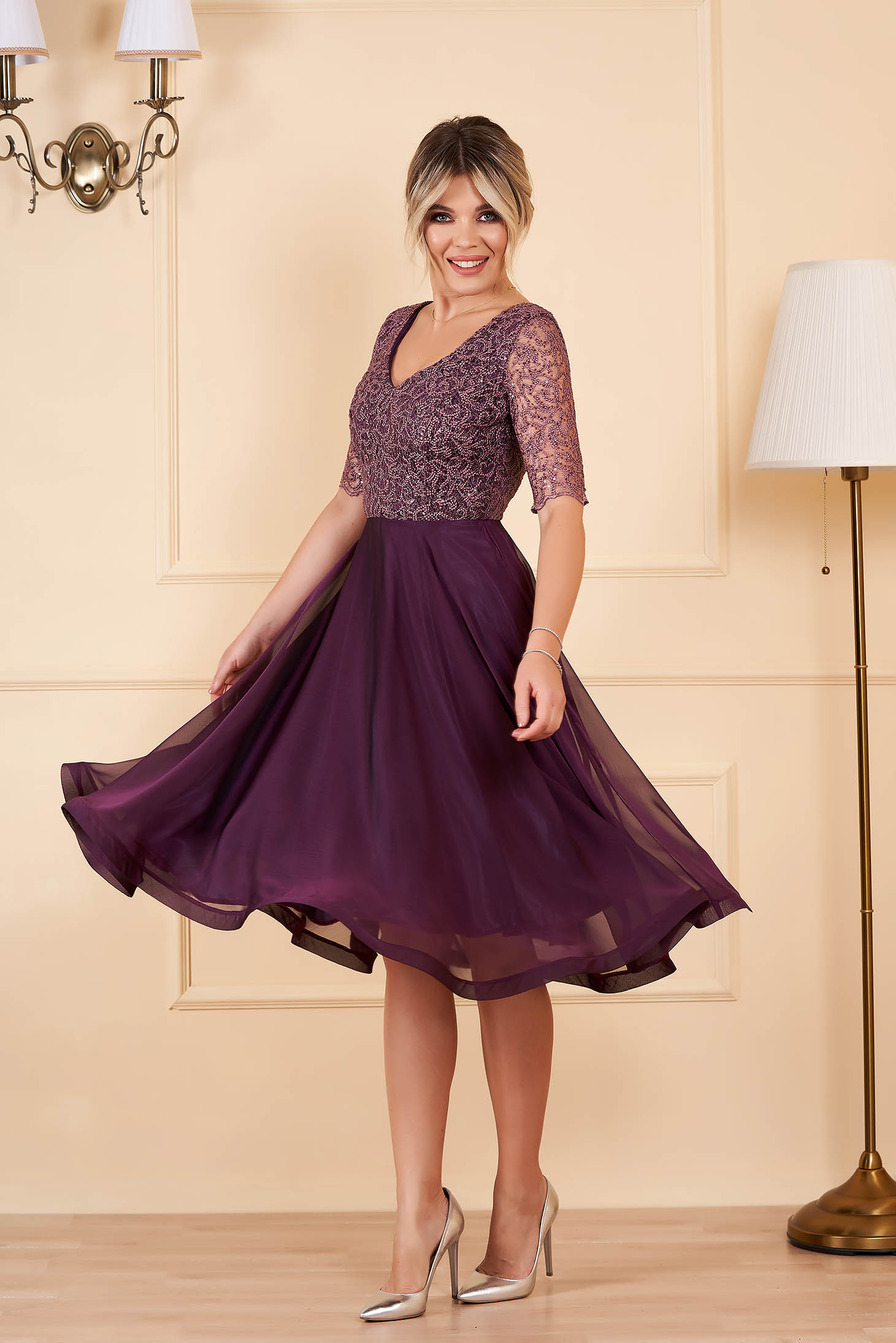 StarShinerS midi occasional cloche from veil fabric with sequins with v-neckline short sleeves purple dress