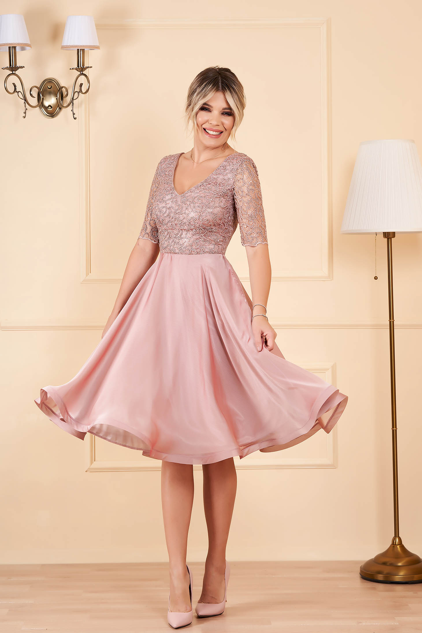 StarShinerS midi occasional cloche from veil fabric with sequins with v-neckline short sleeves lightpink dress