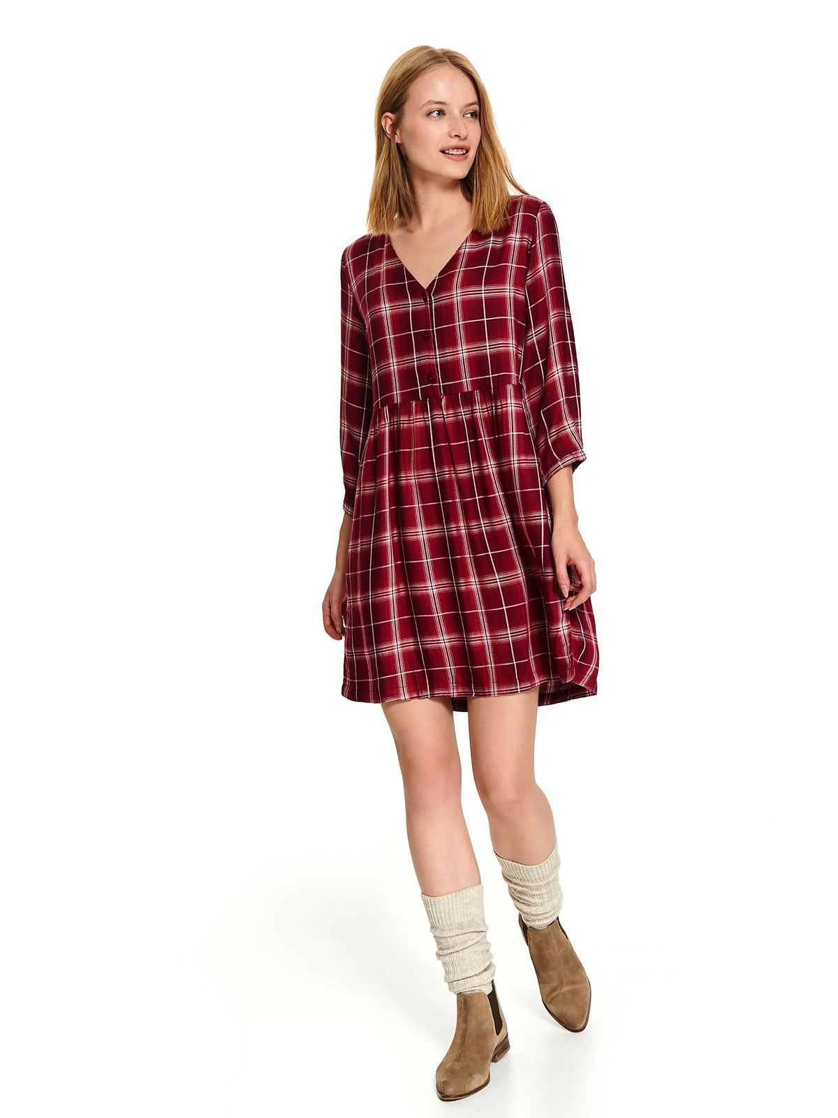 Red casual flared dress with 3/4 sleeves with chequers with v-neckline