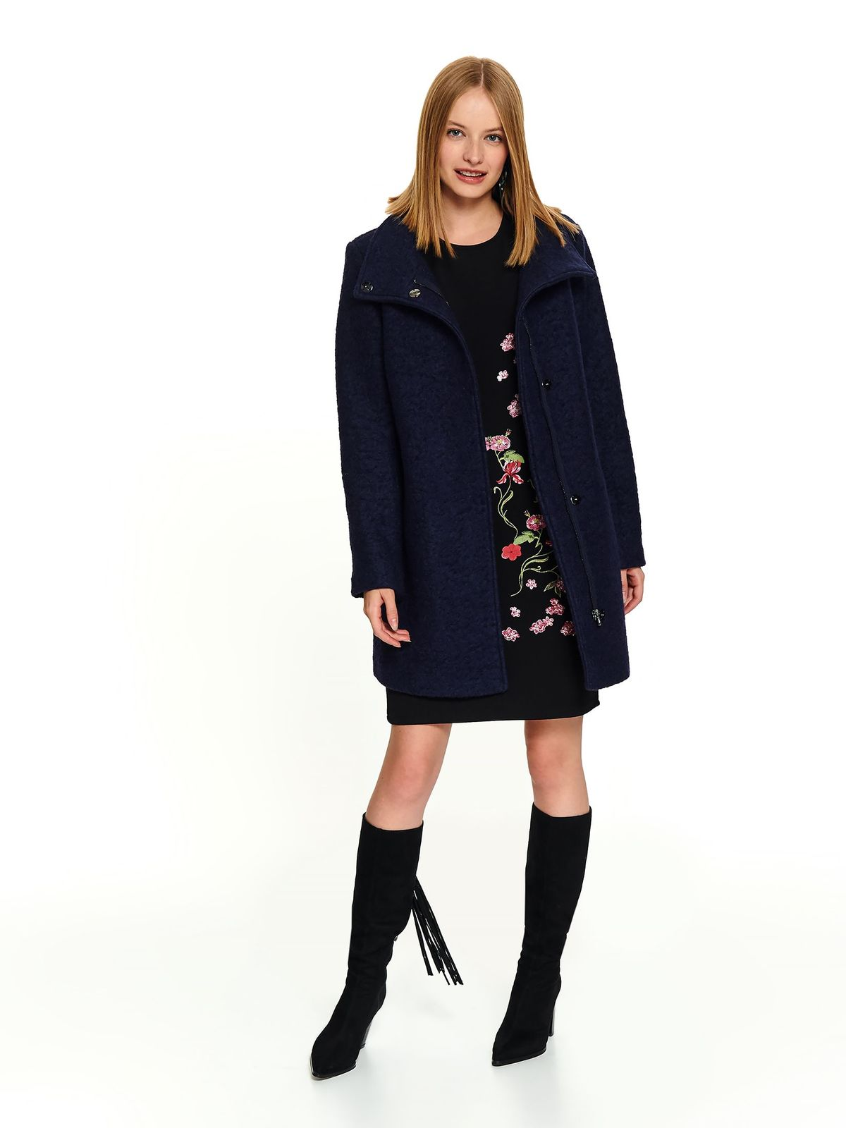 Darkblue elegant straight coat with turtle neck and pockets with zipper fastening