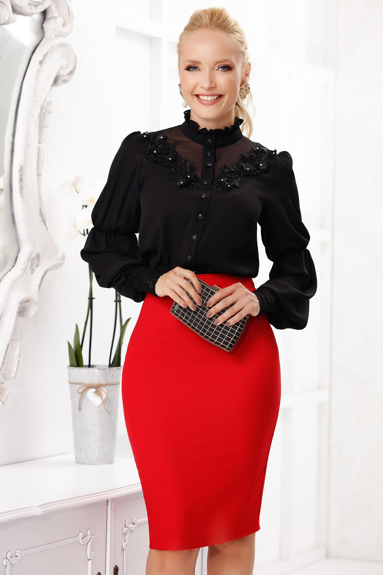Bluza dama Fofy neagra office scurta din material vaporos cu maneci lungi si insertii de broderie