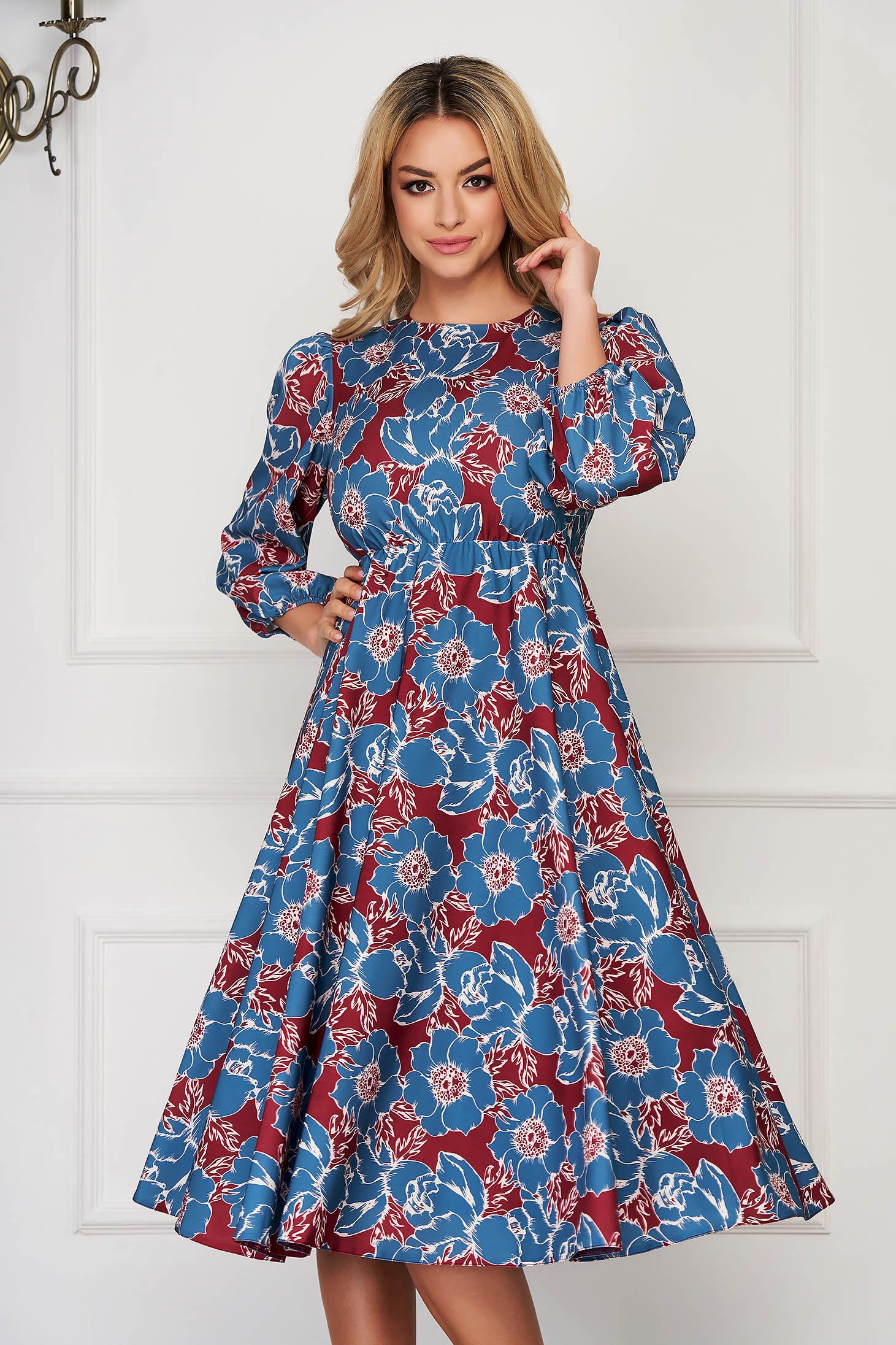 Rochie gri eleganta midi in clos din material vaporos cu elastic in talie cu maneci trei-sferturi si imprimeuri grafice