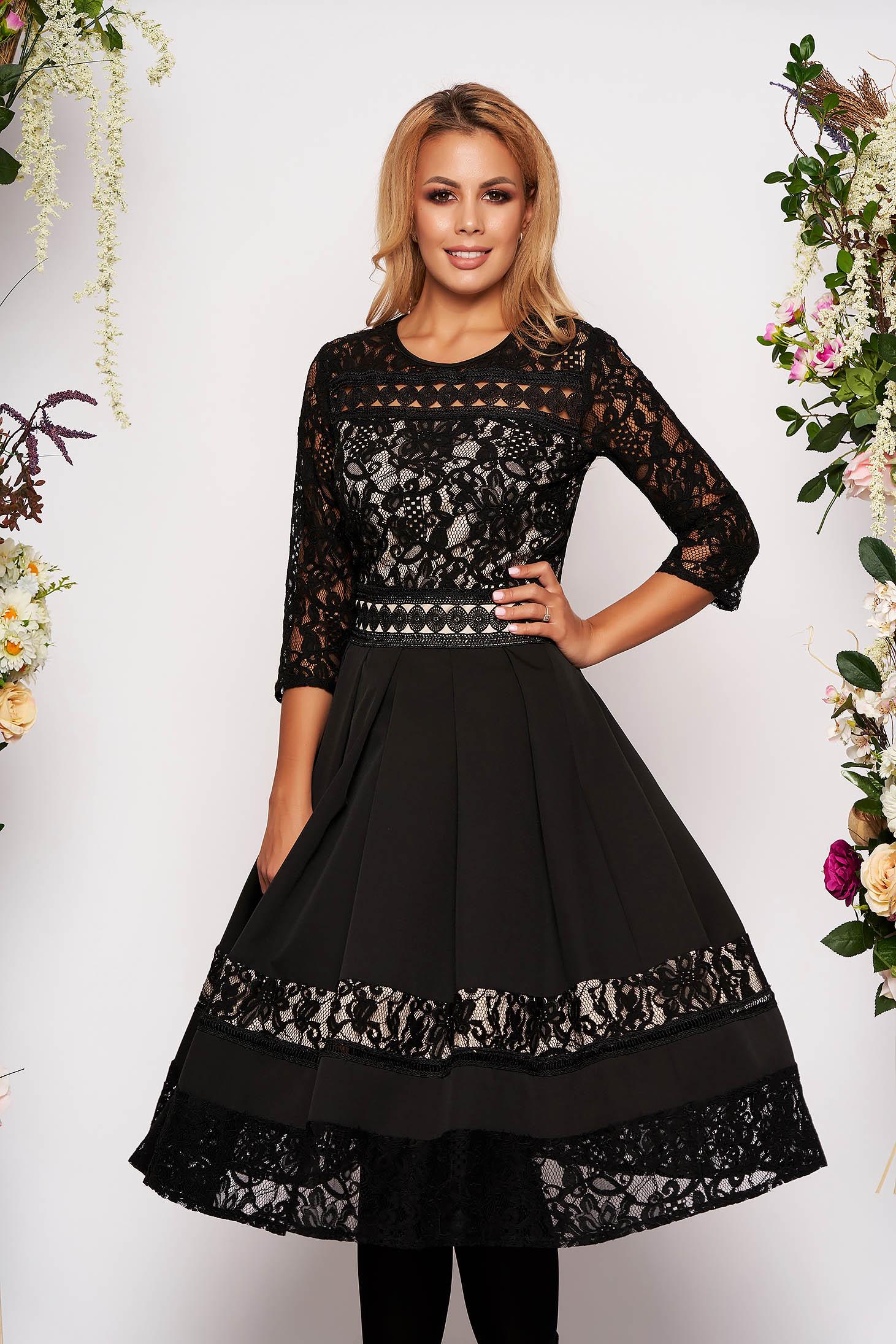 Rochie neagra midi eleganta in clos din dantela cu maneci trei-sferturi fara captuseala cu decolteu rotunjit