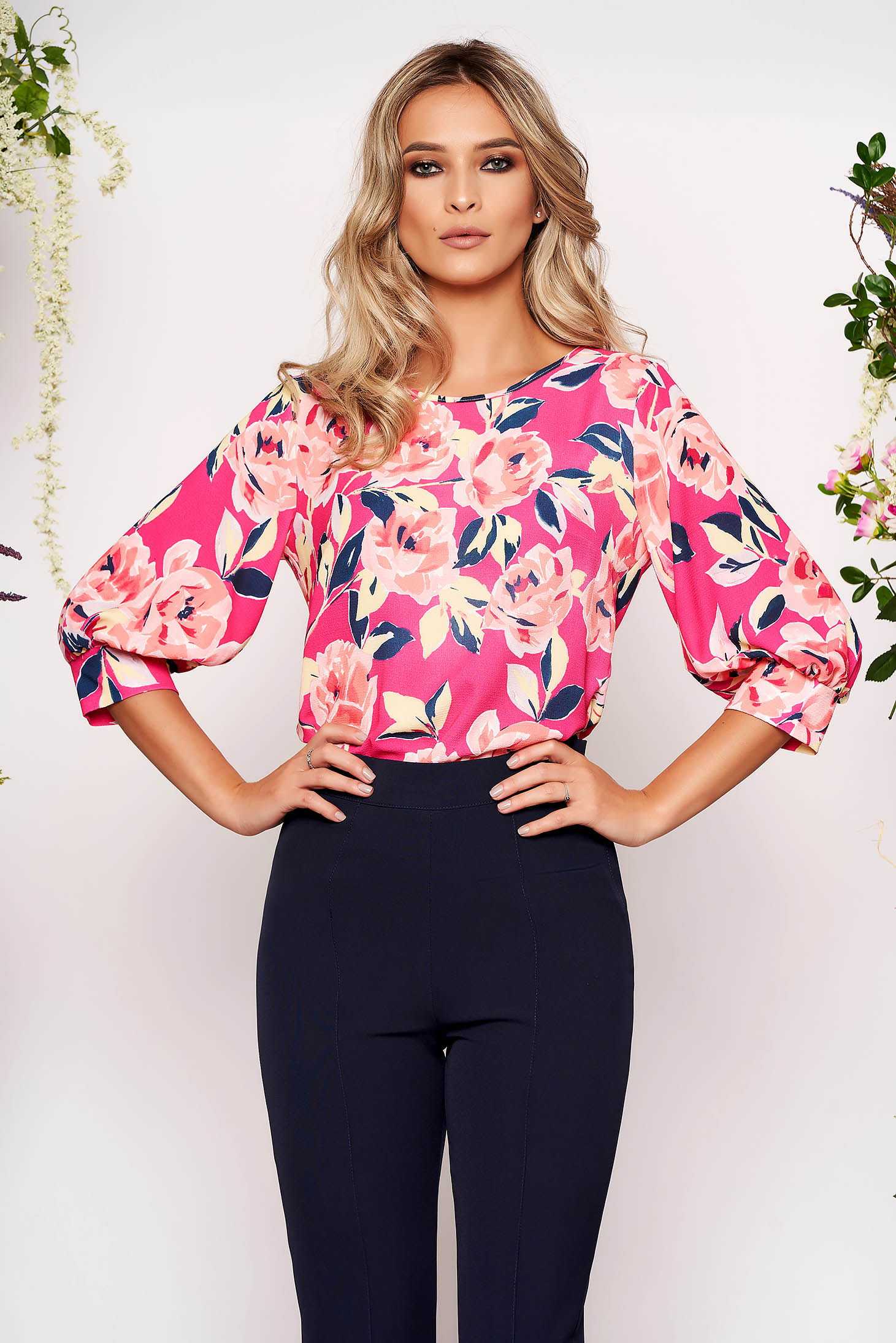 Bluza dama StarShinerS roz scurta office cu croi larg din voal creponat cu maneci trei-sferturi si imprimeu floral