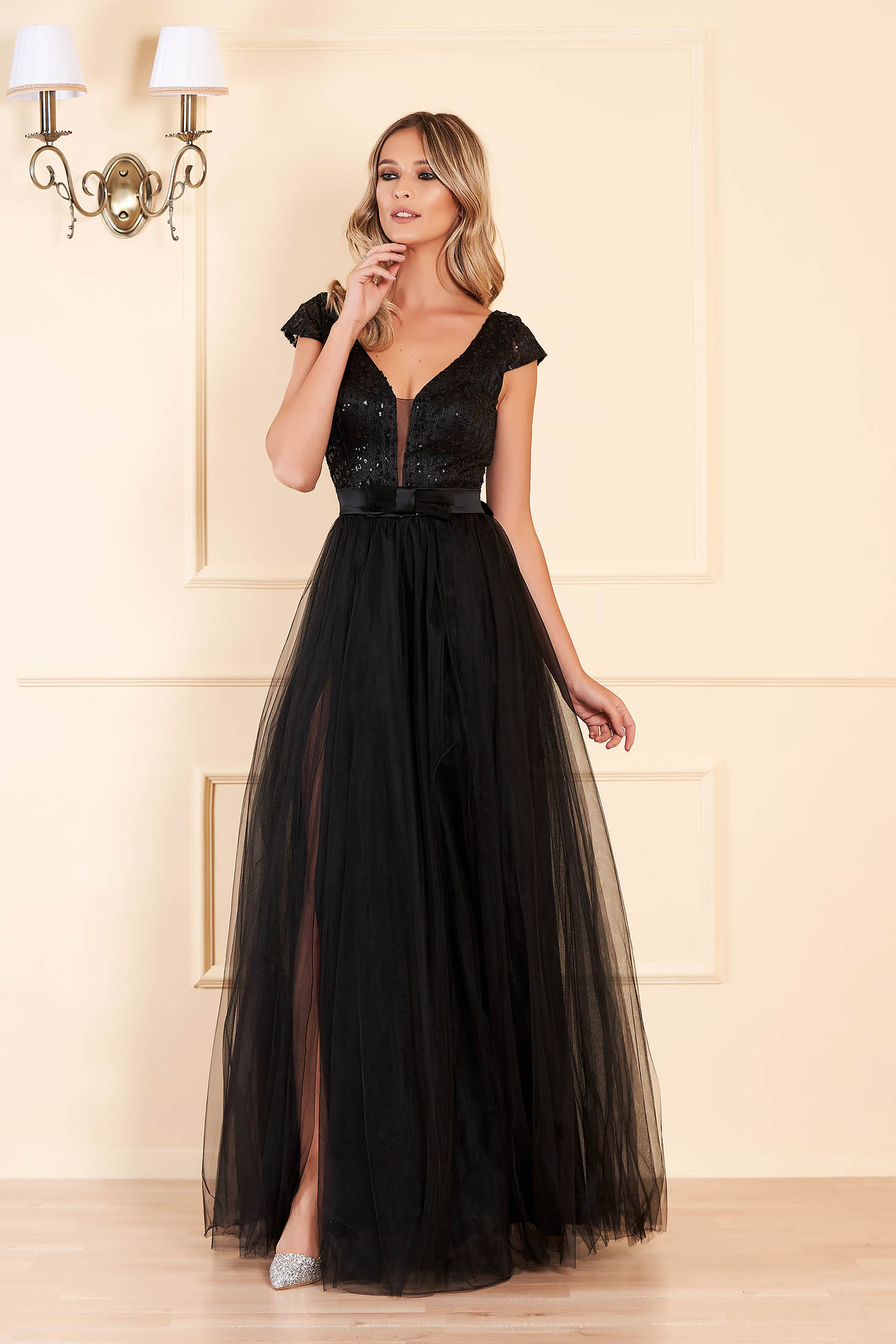 Black occasional long cloche dress bareback with push-up cups with v-neckline with sequin embellished details