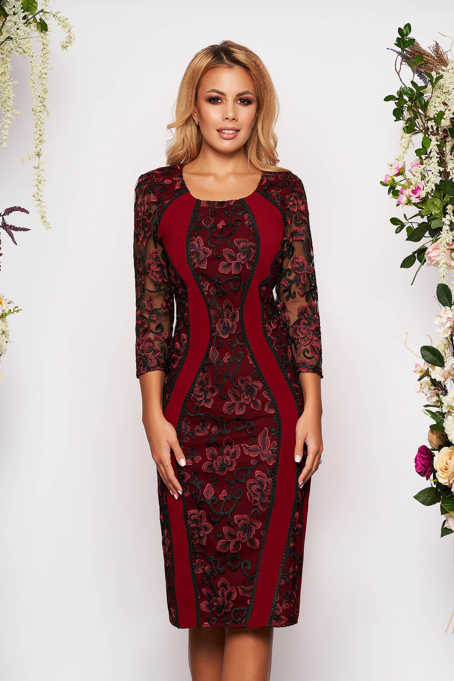 Burgundy dress occasional midi pencil cloth with rounded cleavage with 3/4 sleeves