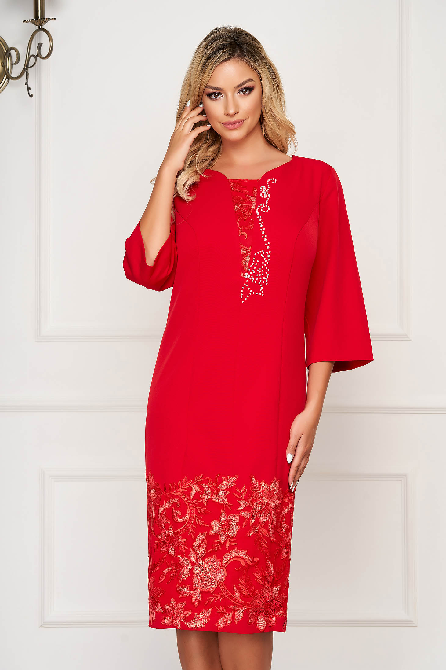 Red occasional straight dress 3/4 sleeve slightly elastic fabric
