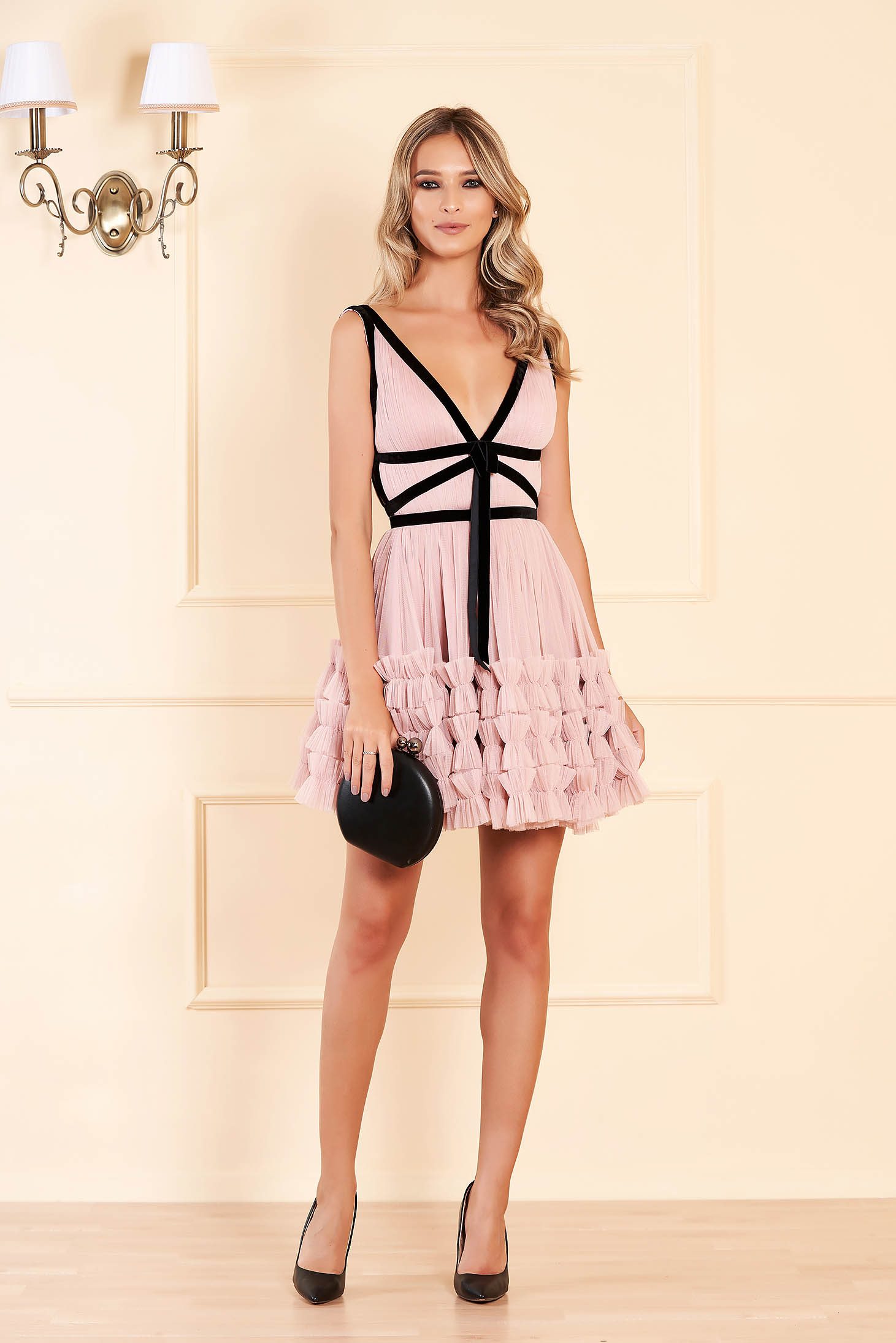 Ana Radu lightpink dress luxurious short cut cloche from tulle velvet insertions sleeveless with deep cleavage