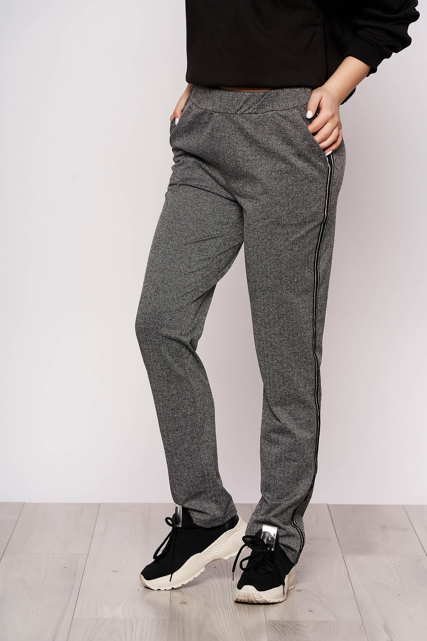 Black casual trousers with straight cut medium waist slightly elastic fabric