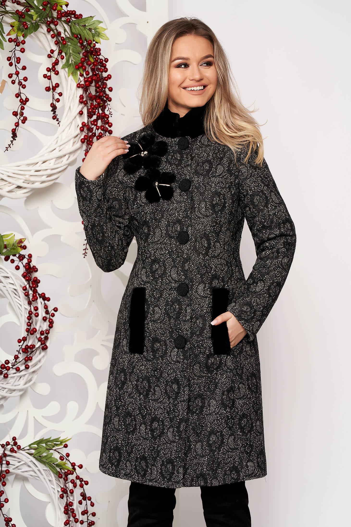 Palton LaDonna negru elegant cambrat cu detalii handmade din lana captusit pe interior