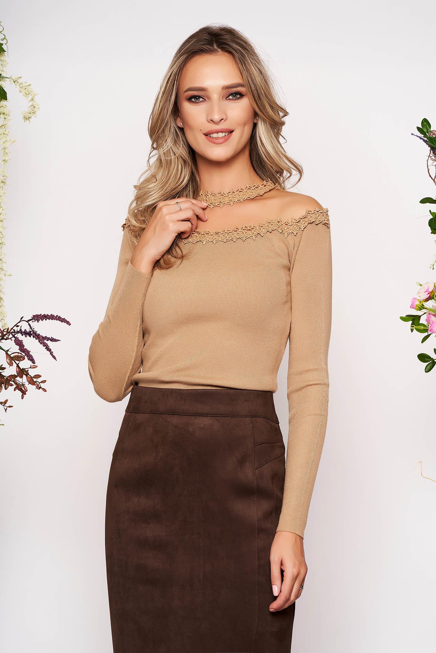 Bluza dama SunShine cappuccino din material tricotat si dantela cu un croi mulat cu maneca lunga