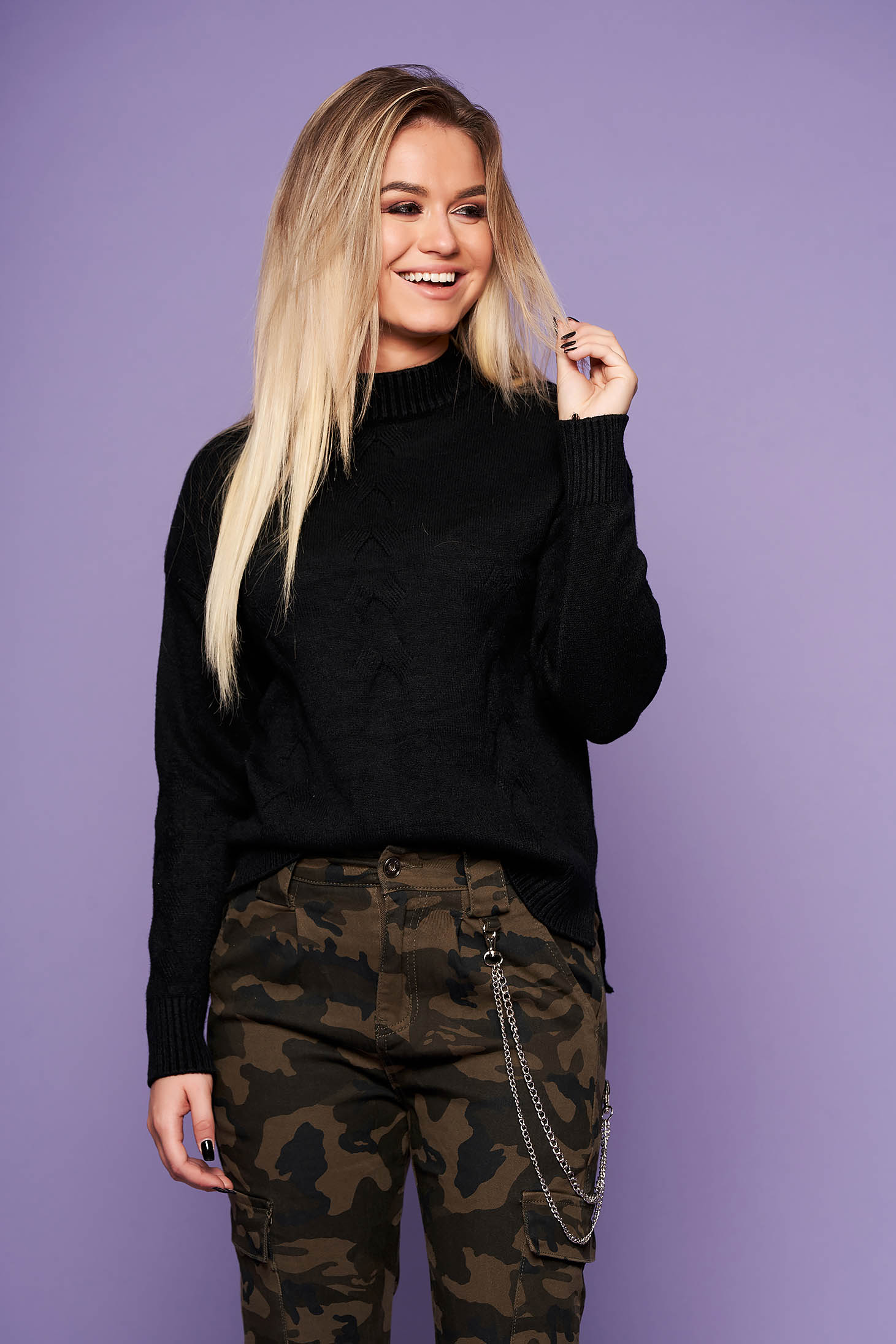 Black casual sweater with easy cut knitted fabric long sleeve