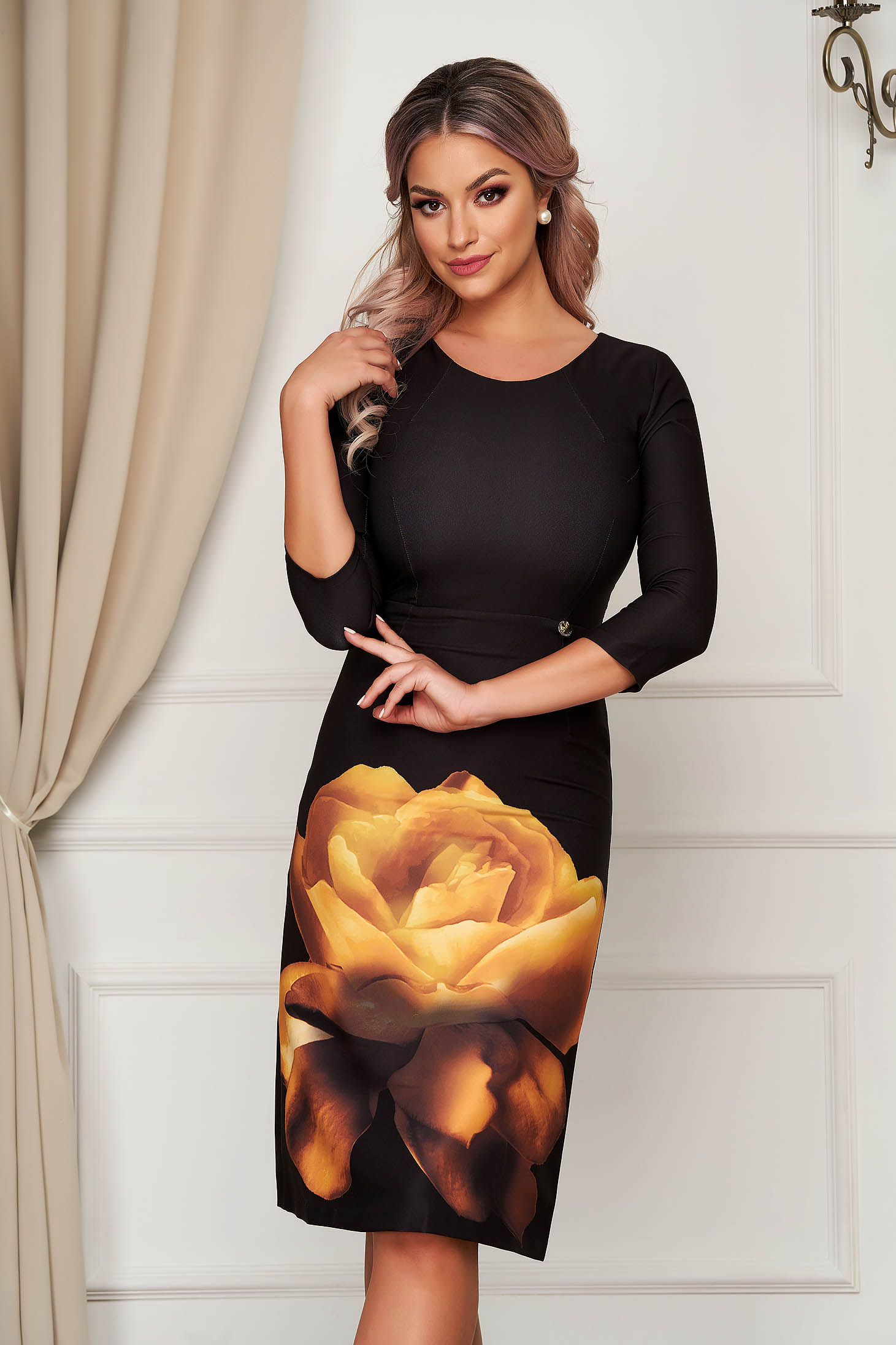 Mustársárga elegáns midi virágmintás ceruza ruha rugalmas anyagból kerekített dekoltázssal
