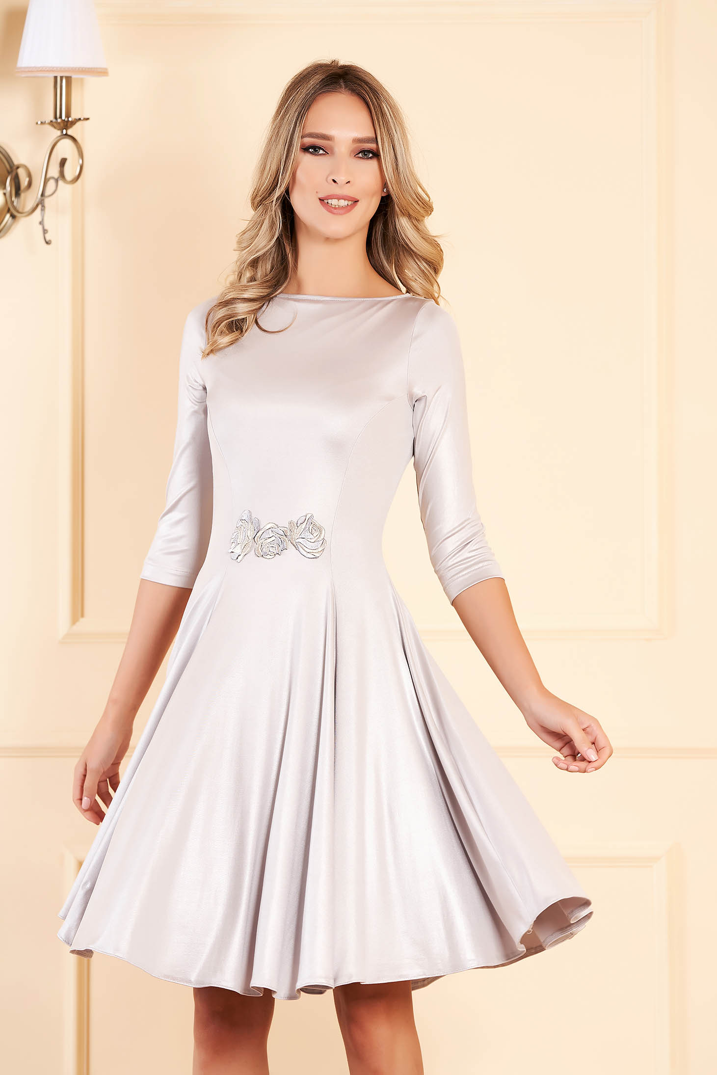 StarShinerS silver occasional dress flaring cut from shiny fabric front embroidery