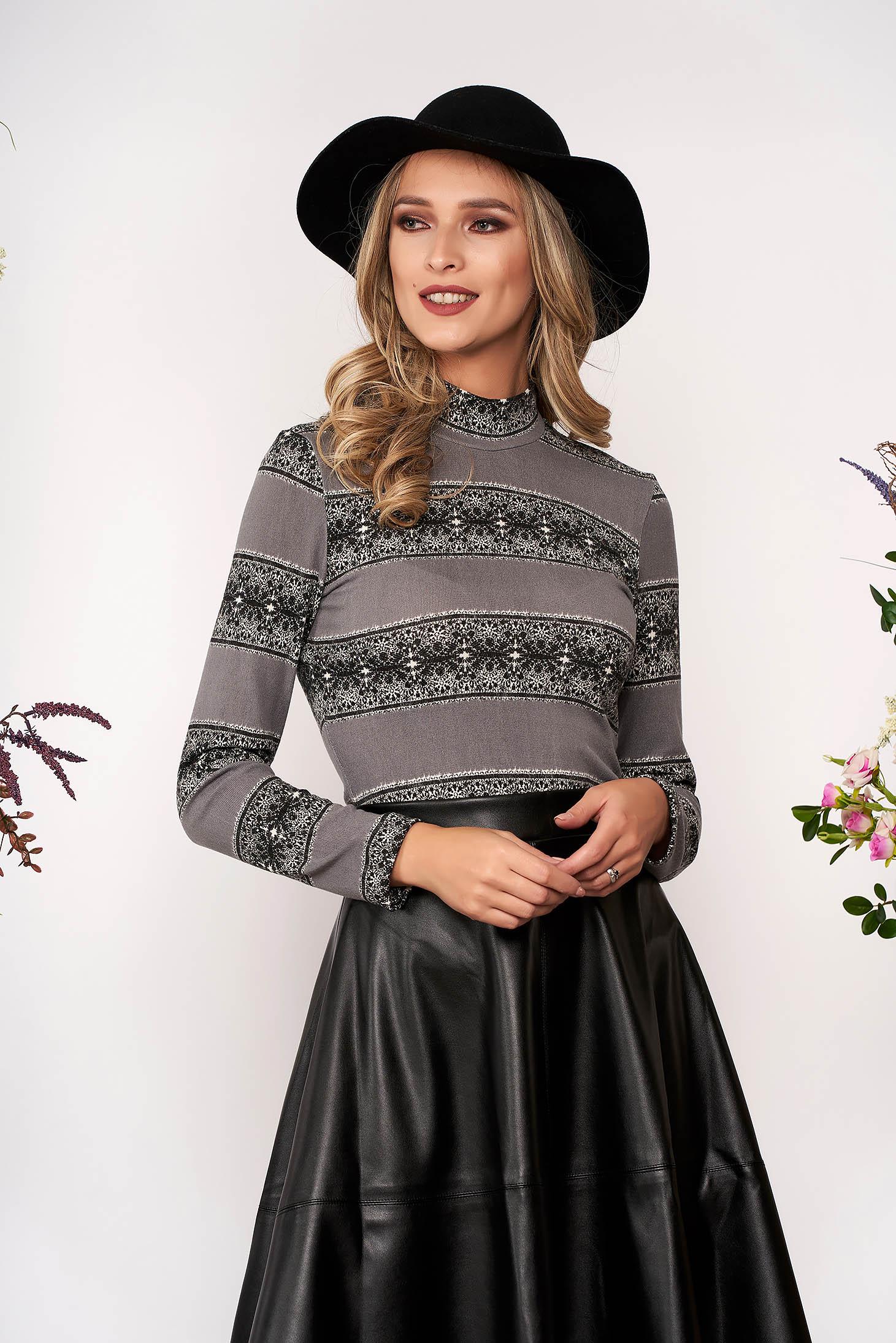 Szürke StarShinerS elegáns szűk szabású rövid kötött magas nyakú pulóver hosszú ujjakkal