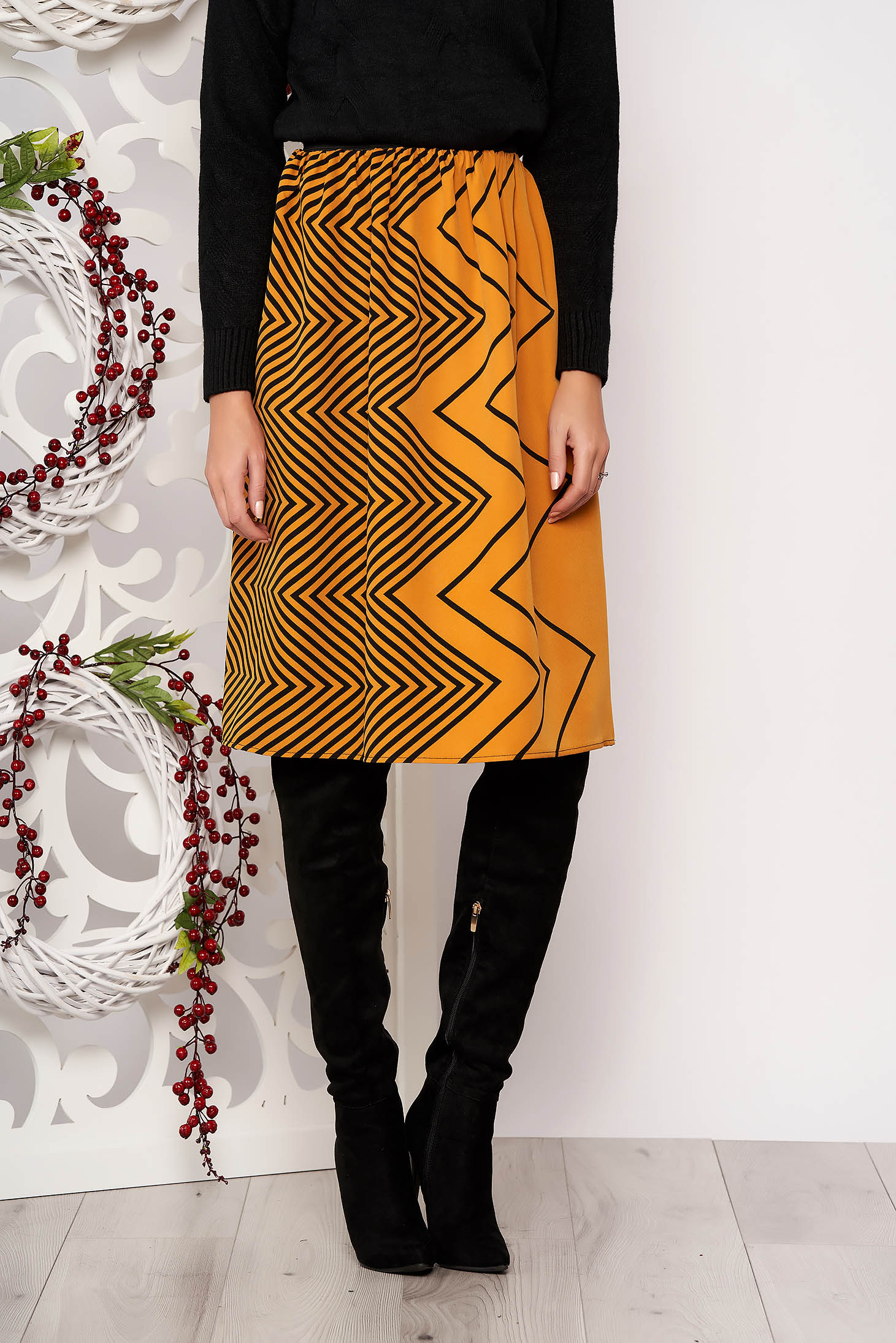 Skirt StarShinerS mustard flaring cut with geometrical print slightly elastic fabric pressure-free border