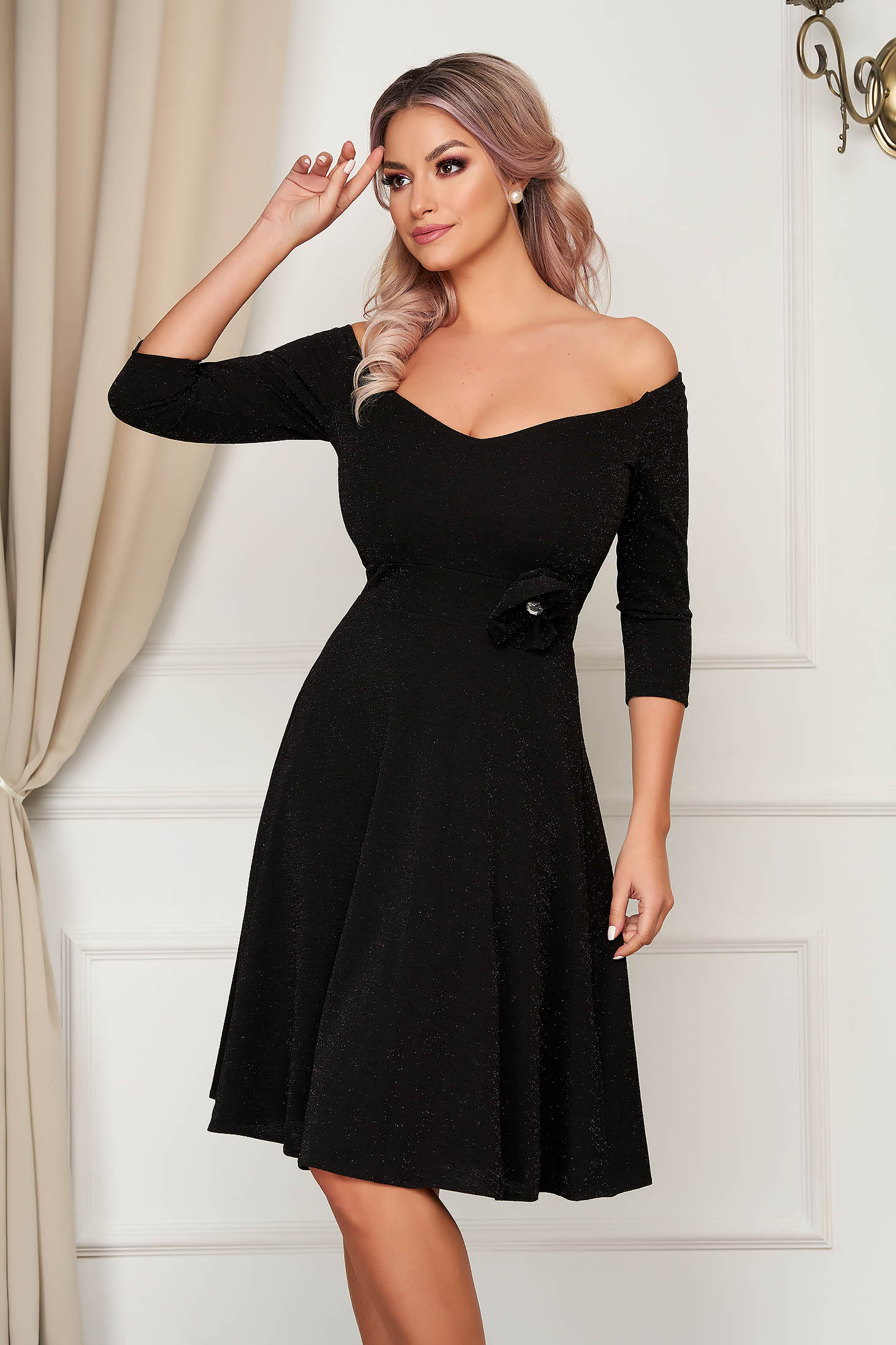 Dress StarShinerS black occasional midi cloche scuba with flower shaped brestpin