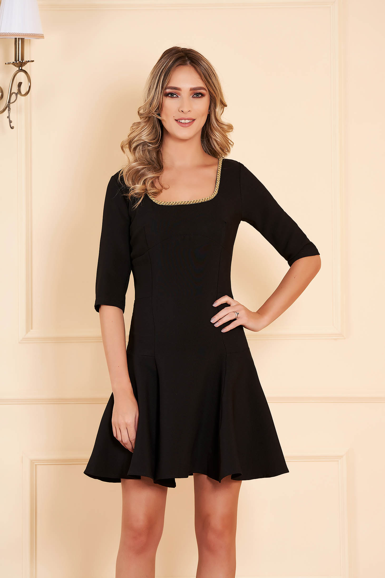 Dress black occasional flaring cut short cut slightly elastic fabric with 3/4 sleeves