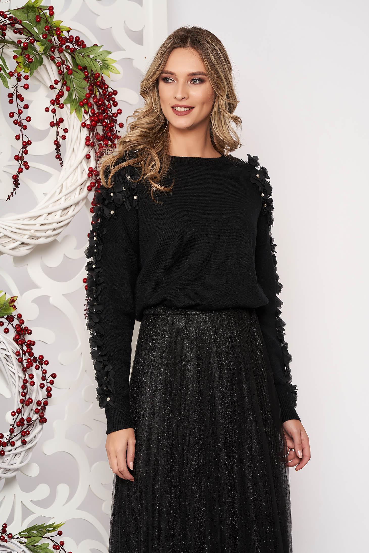 Pulover SunShine negru scurt elegant din lana cu croi larg cu aplicatii cu perle si tul cu maneca lunga