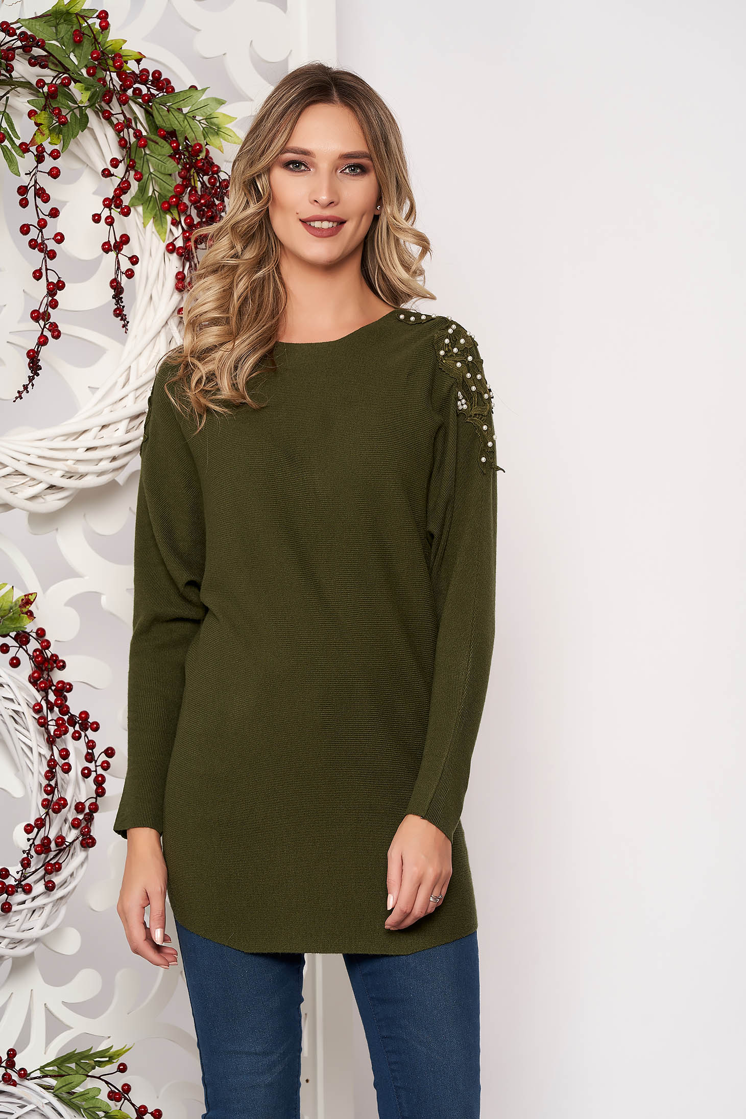 Darkgreen sweater long sleeved with lace details knitted fabric long sleeve flared short cut