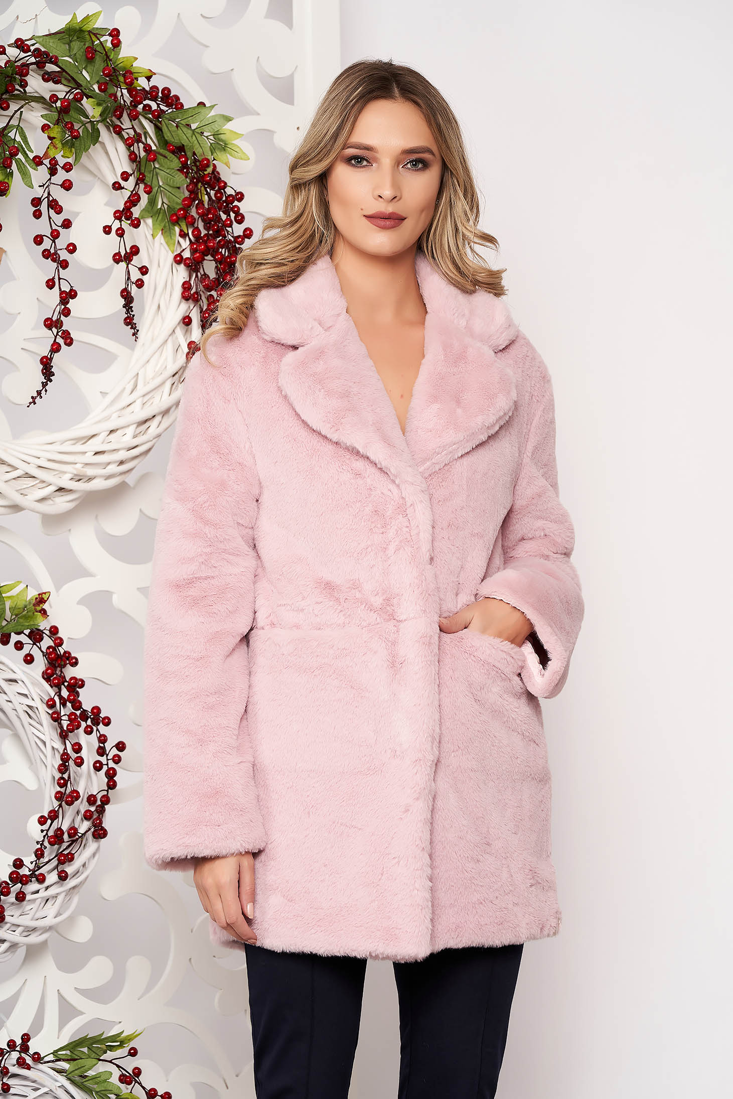 Púder rózsaszínű zsebes szőrme hosszú ujjakkal gomb kiegészítőkkel