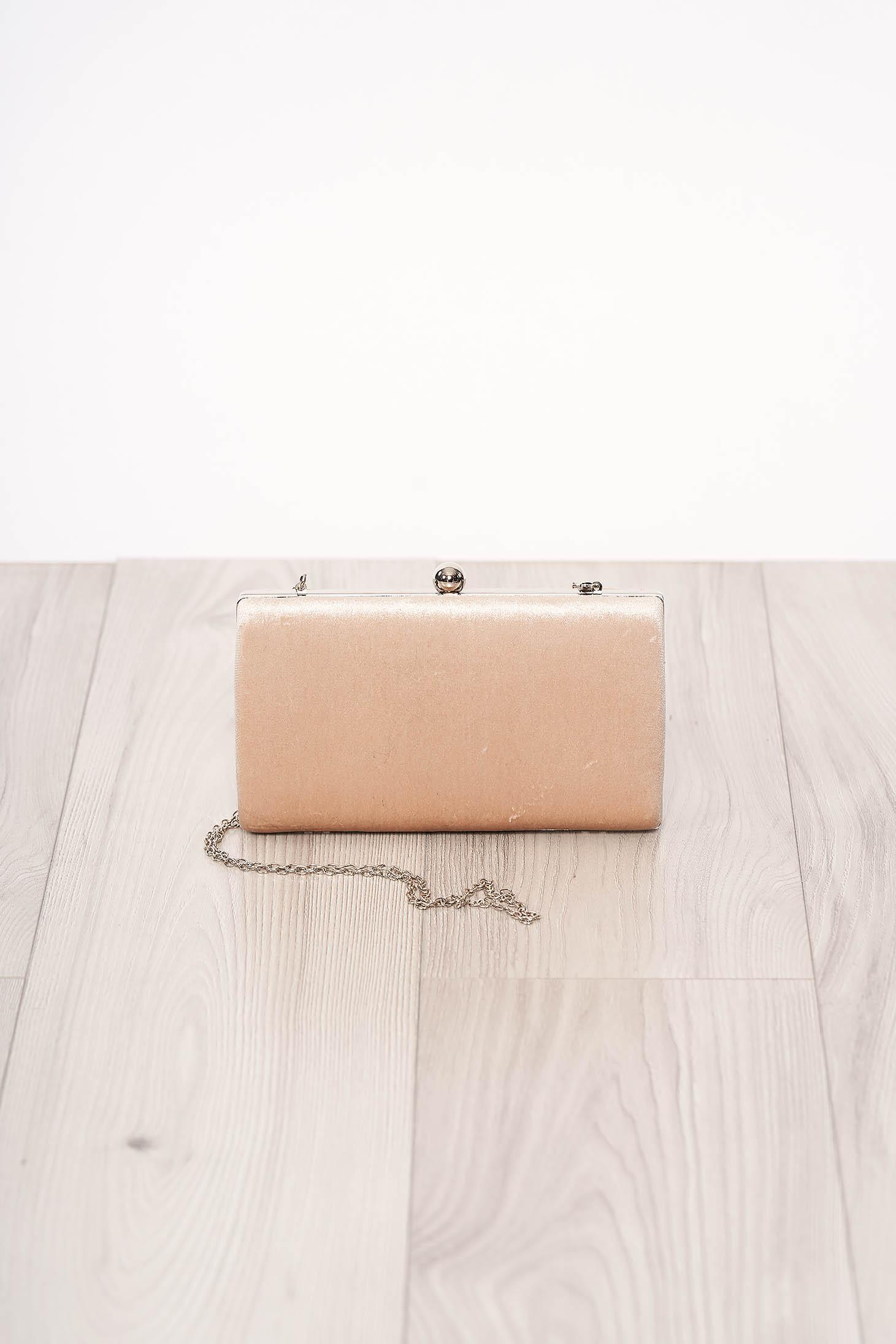 Geanta dama SunShine crem de ocazie din piele intoarsa ecologica cu aspect satinat cu maner lung tip lantisor accesorizata cu o catarama