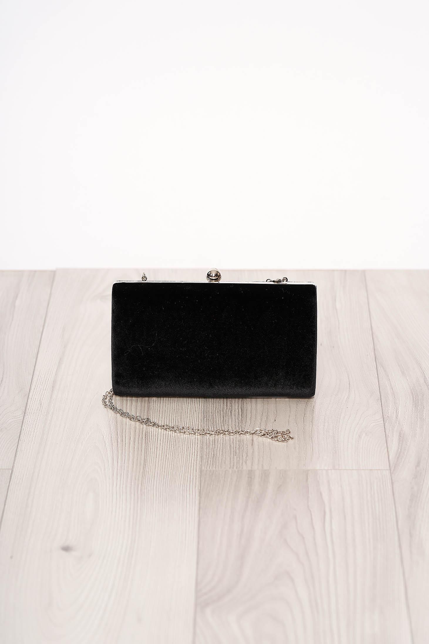 Geanta dama SunShine neagra de ocazie din piele intoarsa ecologica cu aspect satinat cu maner lung tip lantisor accesorizata cu o catarama