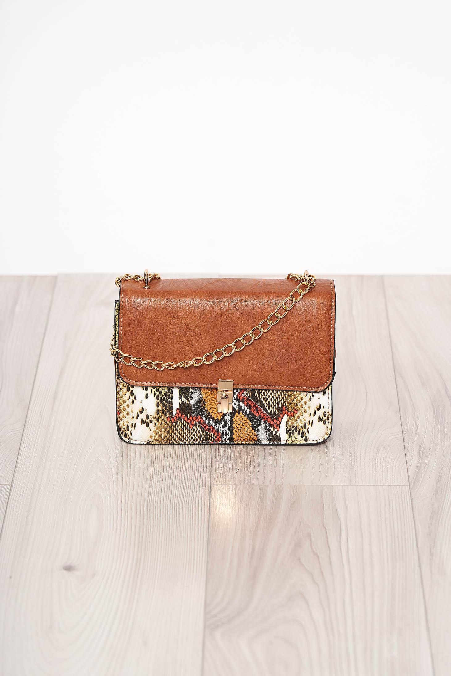 Geanta dama SunShine khaki din piele ecologica cu animal print cu maner lung tip lantisor si accesorizata cu o catarama