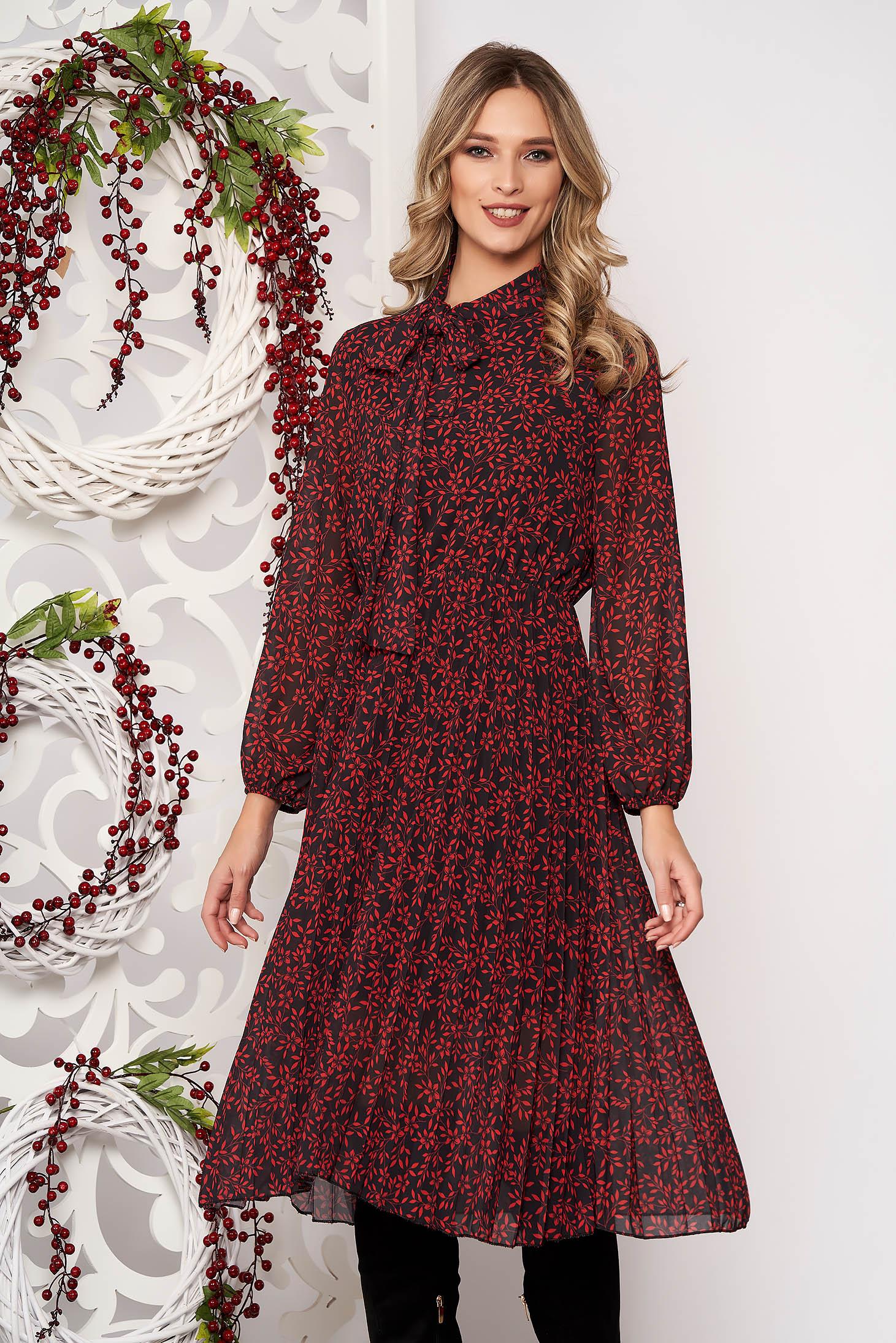 Rochie SunShine rosie croi in clos midi din voal cu pliuri de material cu elastic in talie cu maneci lungi cu guler tip esarfa