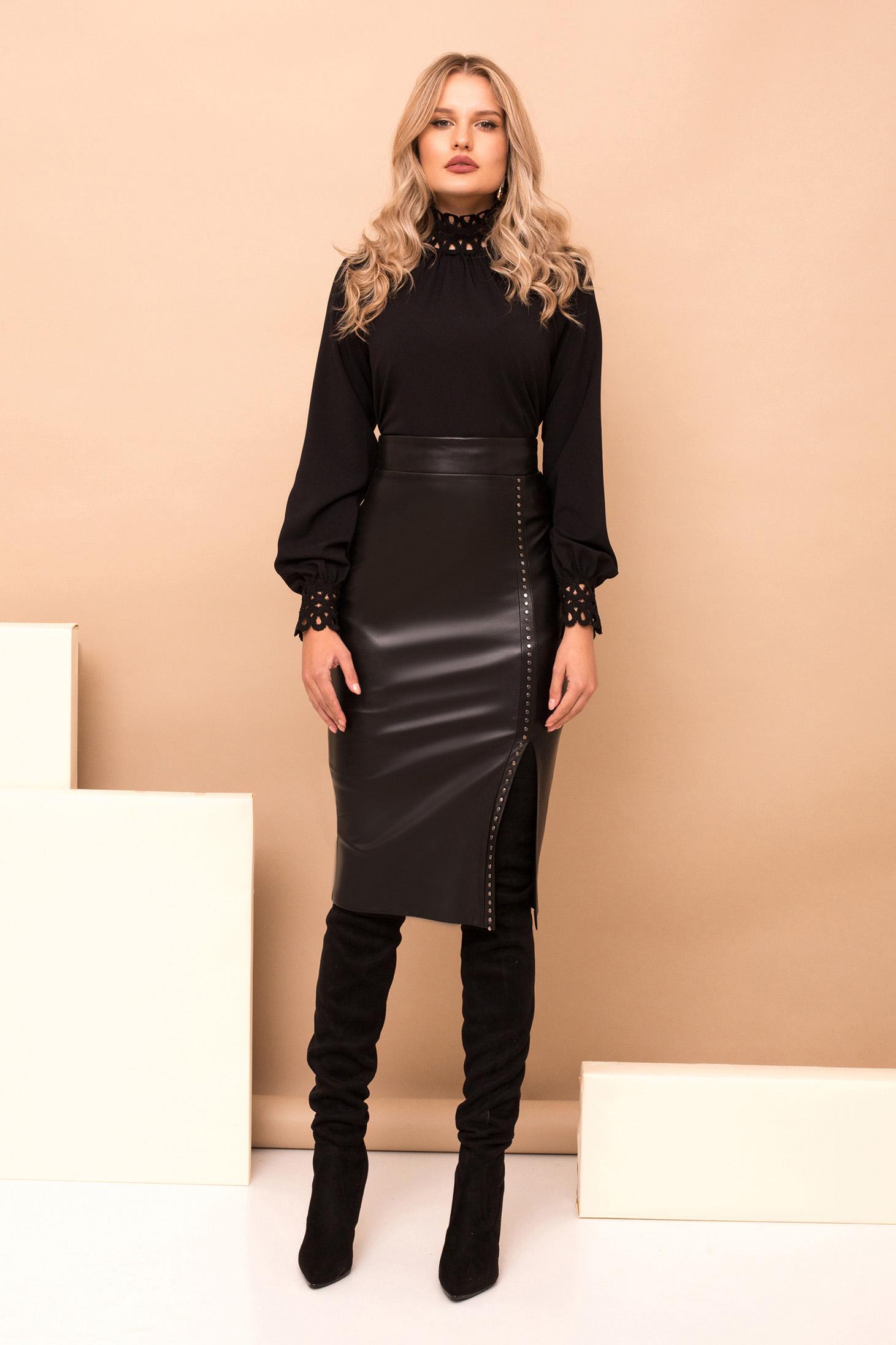 Bluza dama PrettyGirl neagra scurta eleganta din bumbac cu croi larg cu maneci lungi guler inalt si detalii brodate