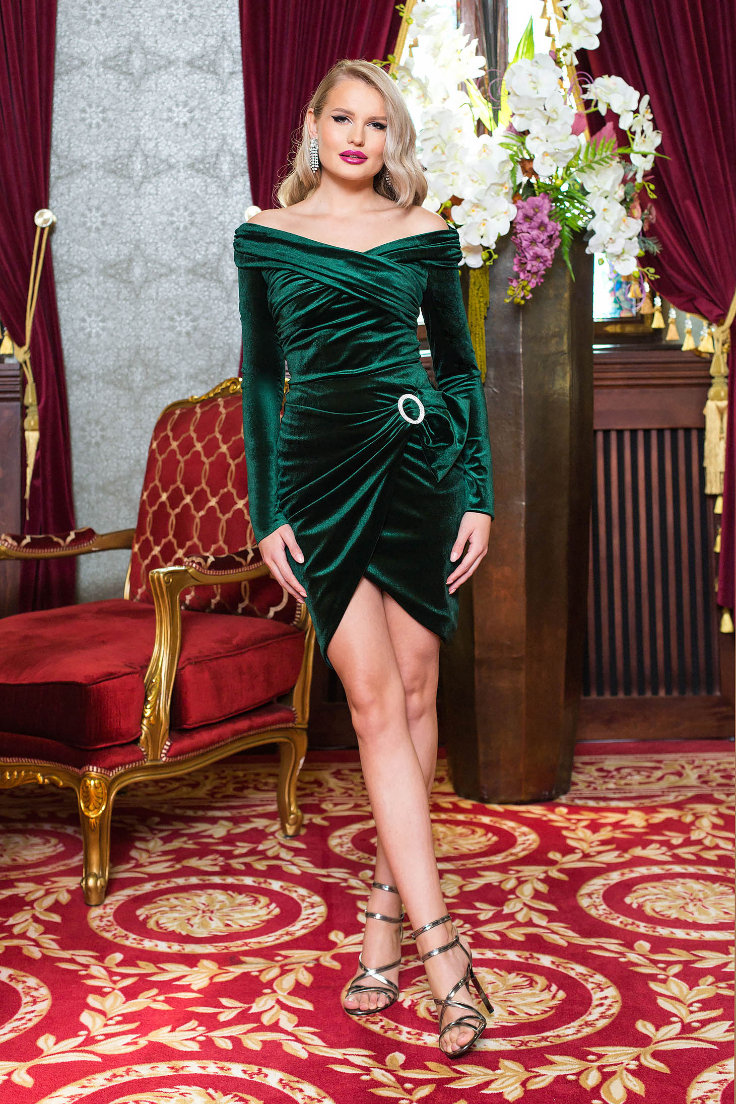 Green skirt occasional short cut pencil from velvet wrap around buckle accessory