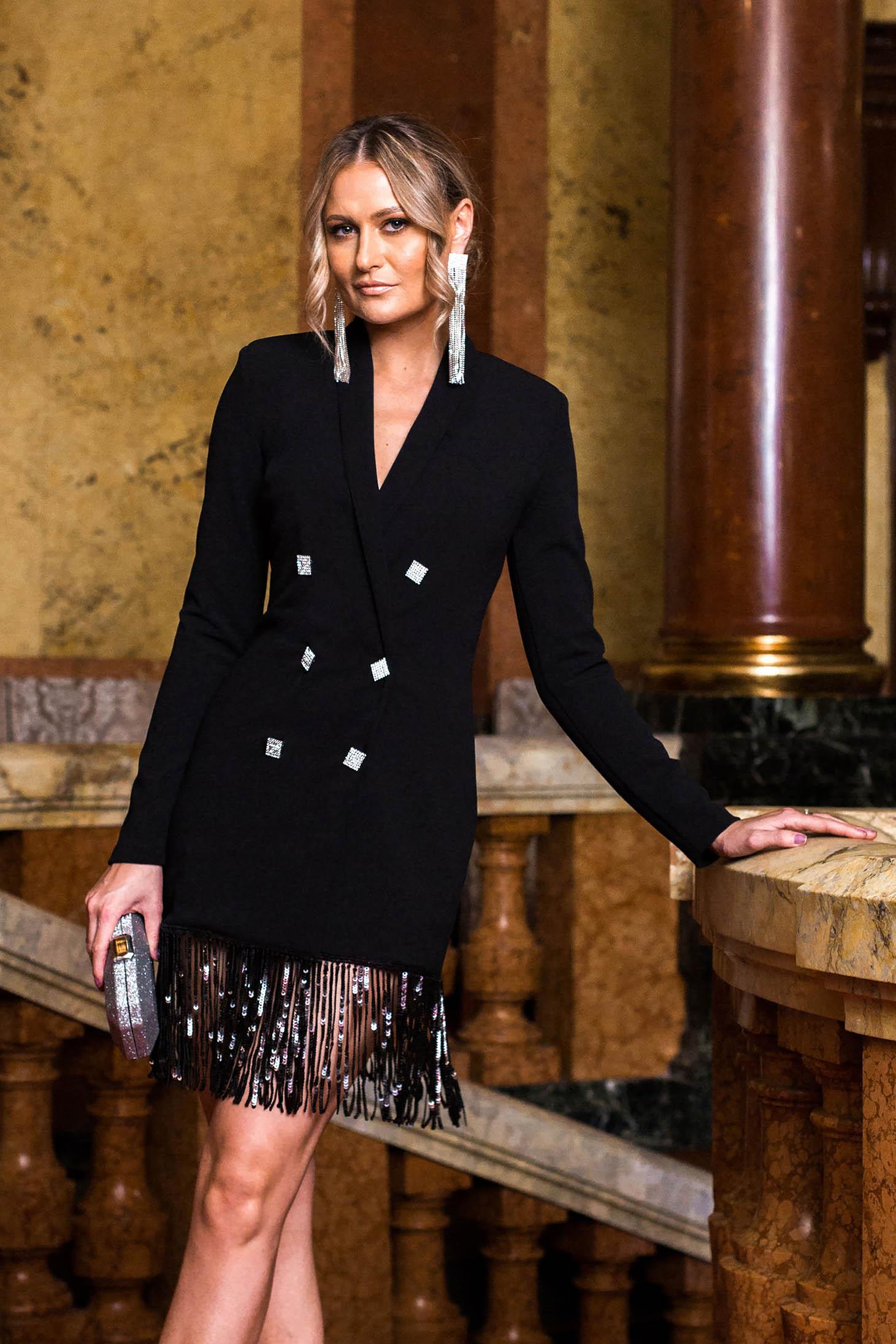 Rochie neagra PrettyGirl rochie pentru femei de ocazie cu un croi drept