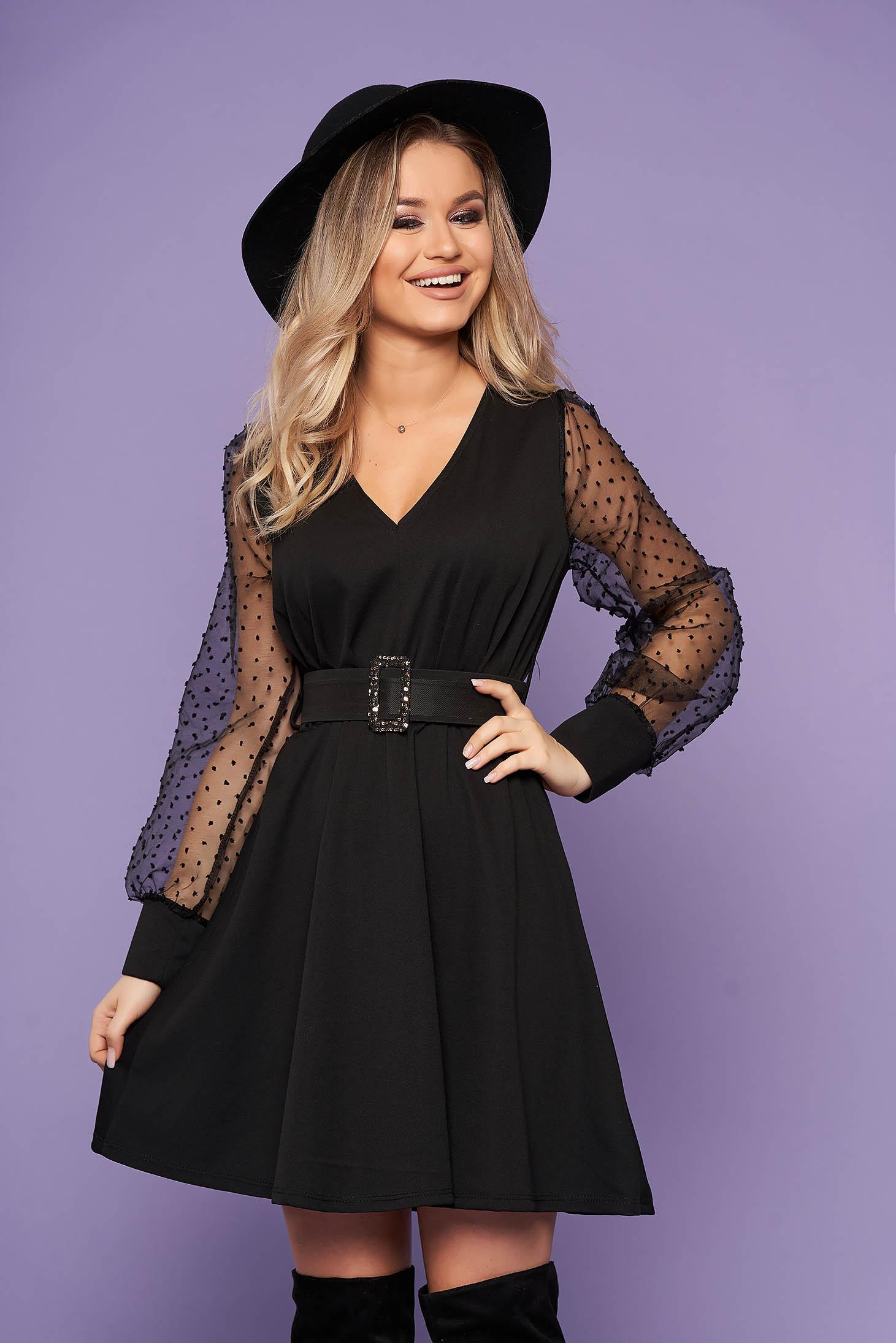 Fekete elegáns rövid harang ruha elasztikus csípővel v-dekoltázzsal rugalmas anyagból