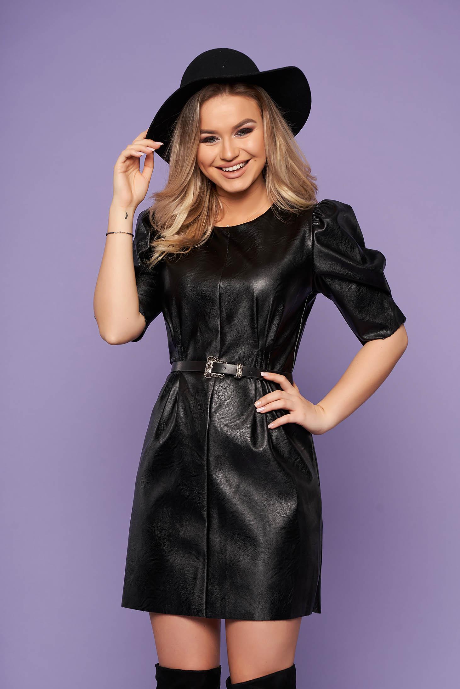 Rochie SunShine neagra eleganta din piele ecologica cu umeri cu volum decolteu la baza gatului si curea