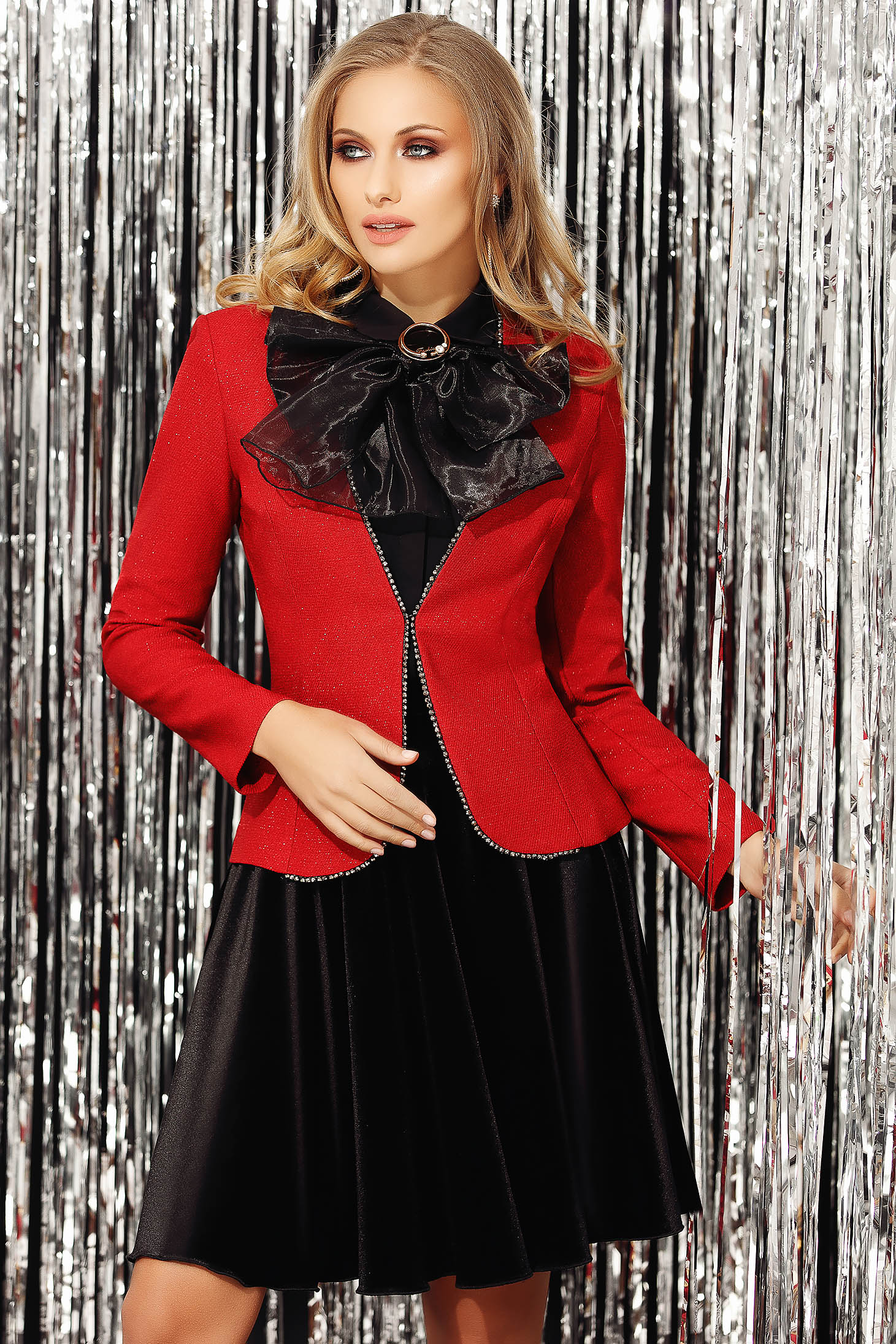 Red jacket occasional short cut long sleeved tented