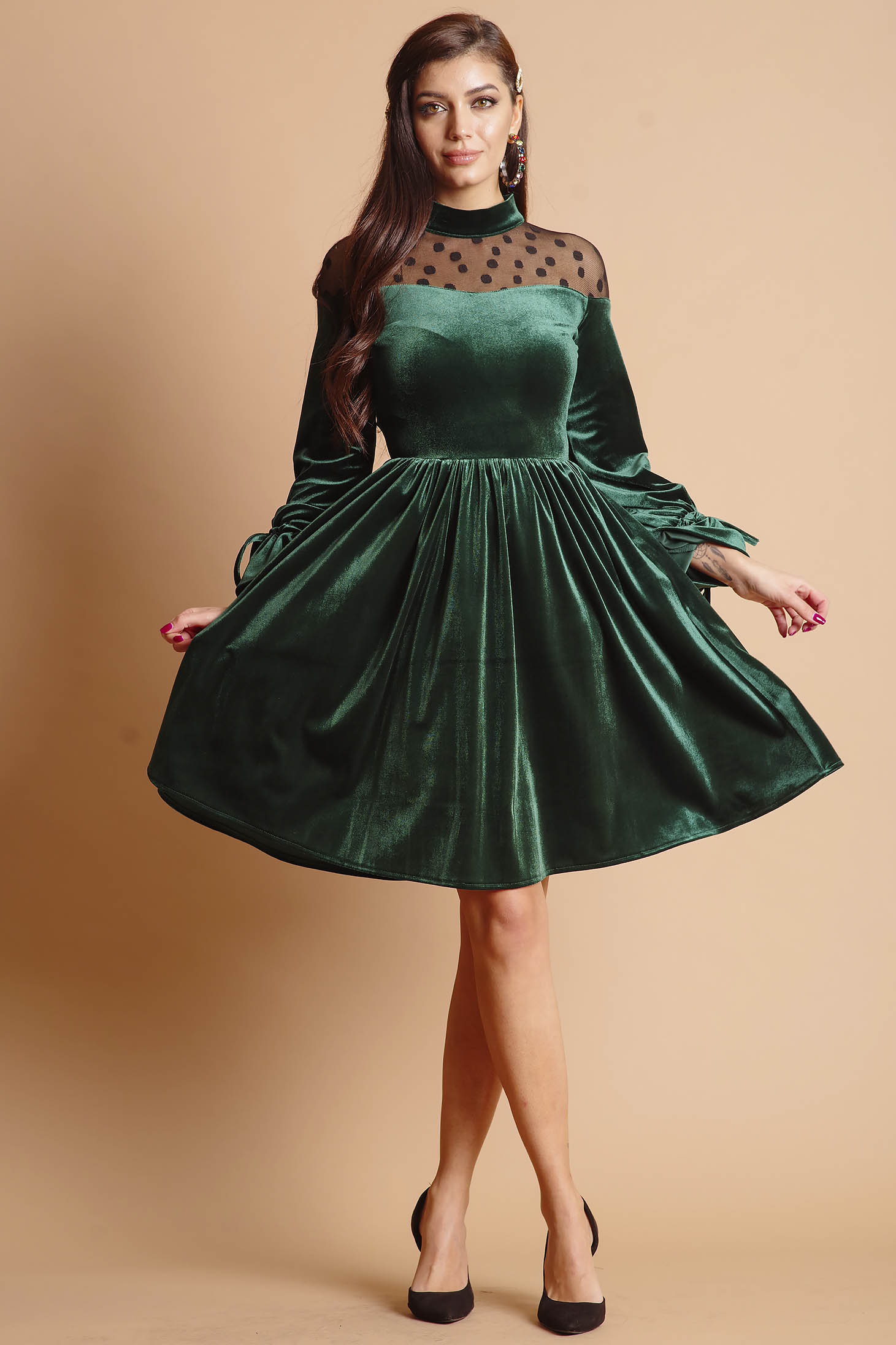 Dress green midi occasional with net accessory from velvet long sleeved cloche